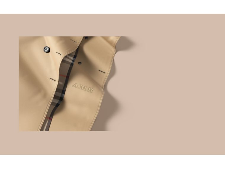 The Kensington – Mid-Length Heritage Trench Coat in Honey - Women | Burberry Singapore - cell image 1