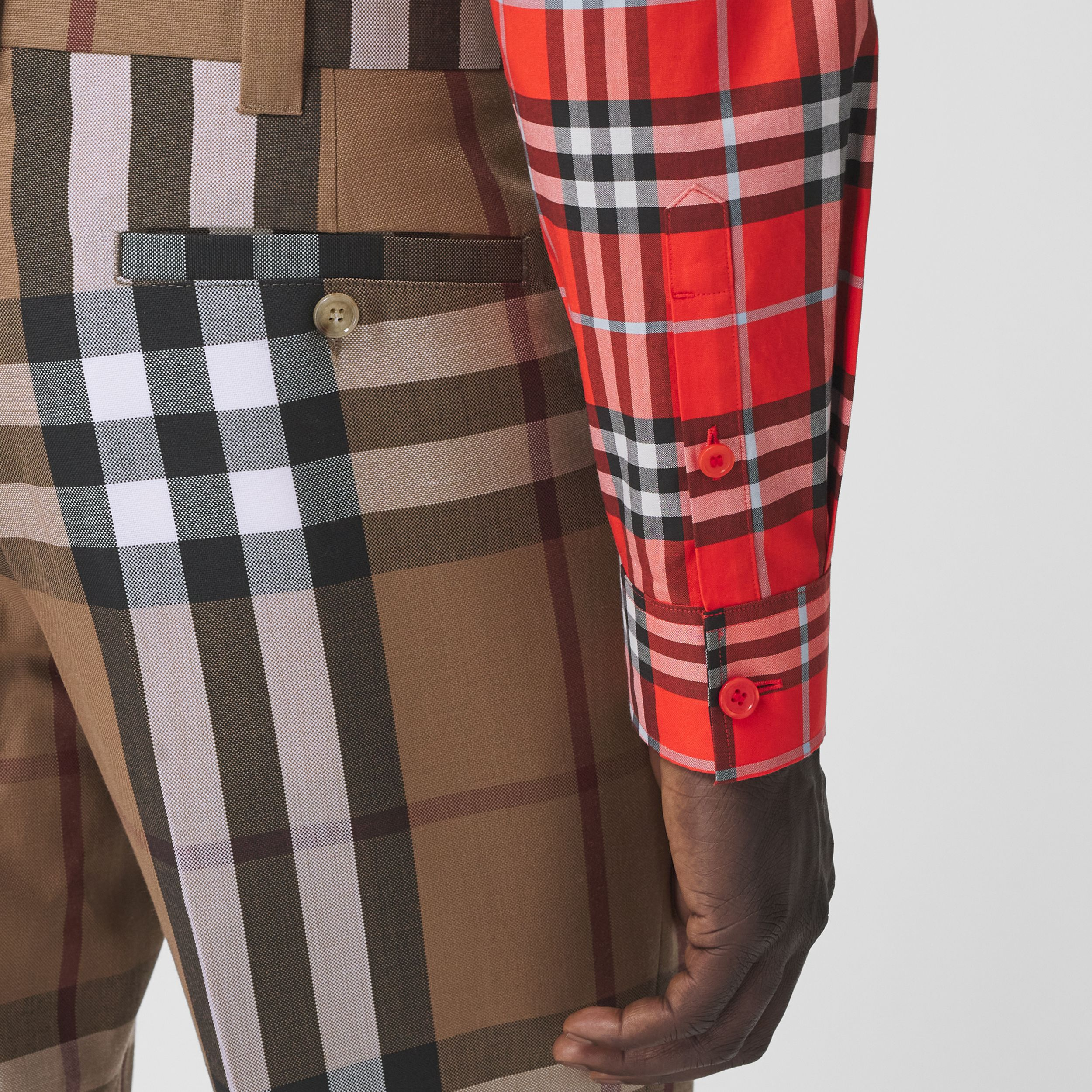 Check Wool Cropped Tailored Trousers in Birch Brown - Men | Burberry United Kingdom - 2