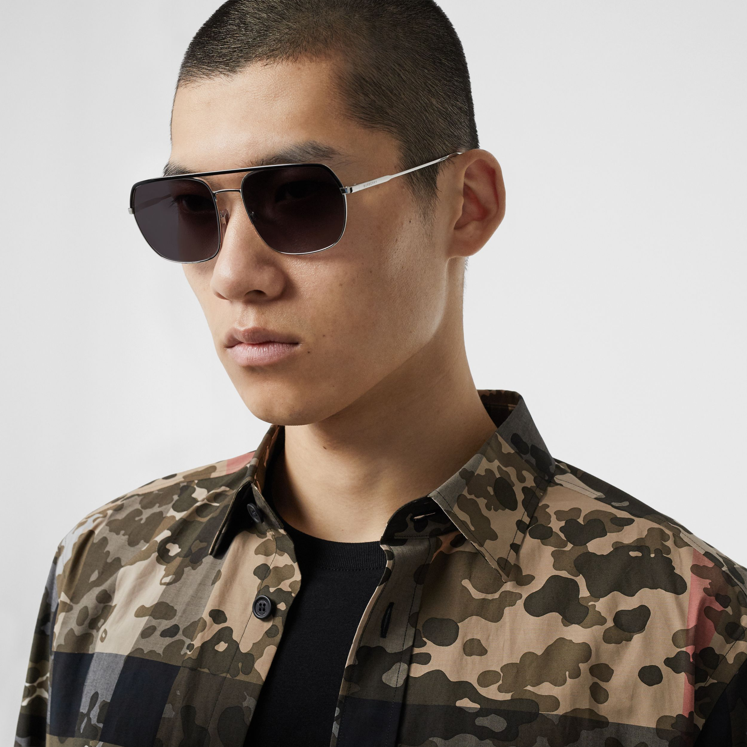 Square Pilot Sunglasses in Black - Men | Burberry - 3