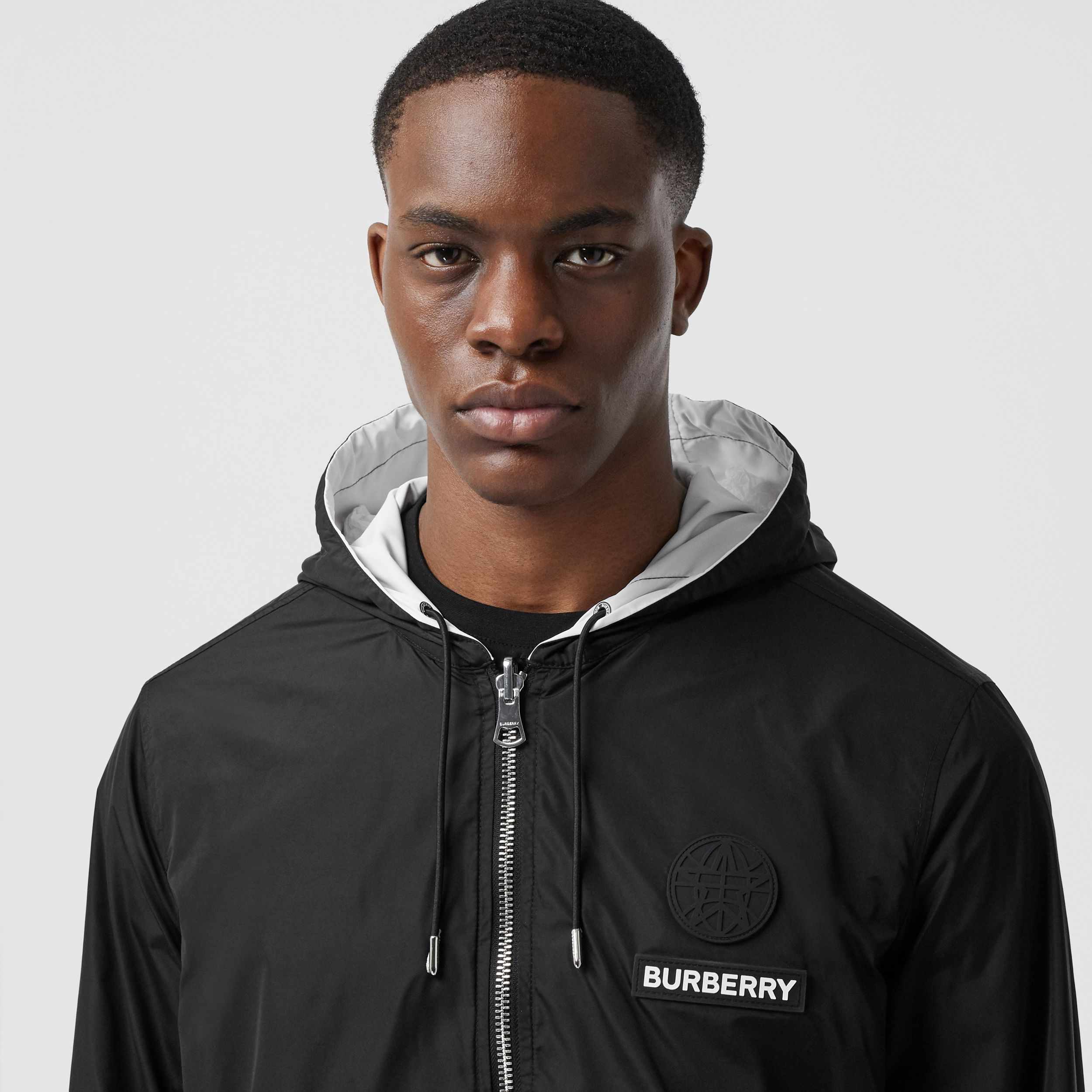Reversible Swan Print Nylon Hooded Jacket in Monochrome - Men | Burberry - 2
