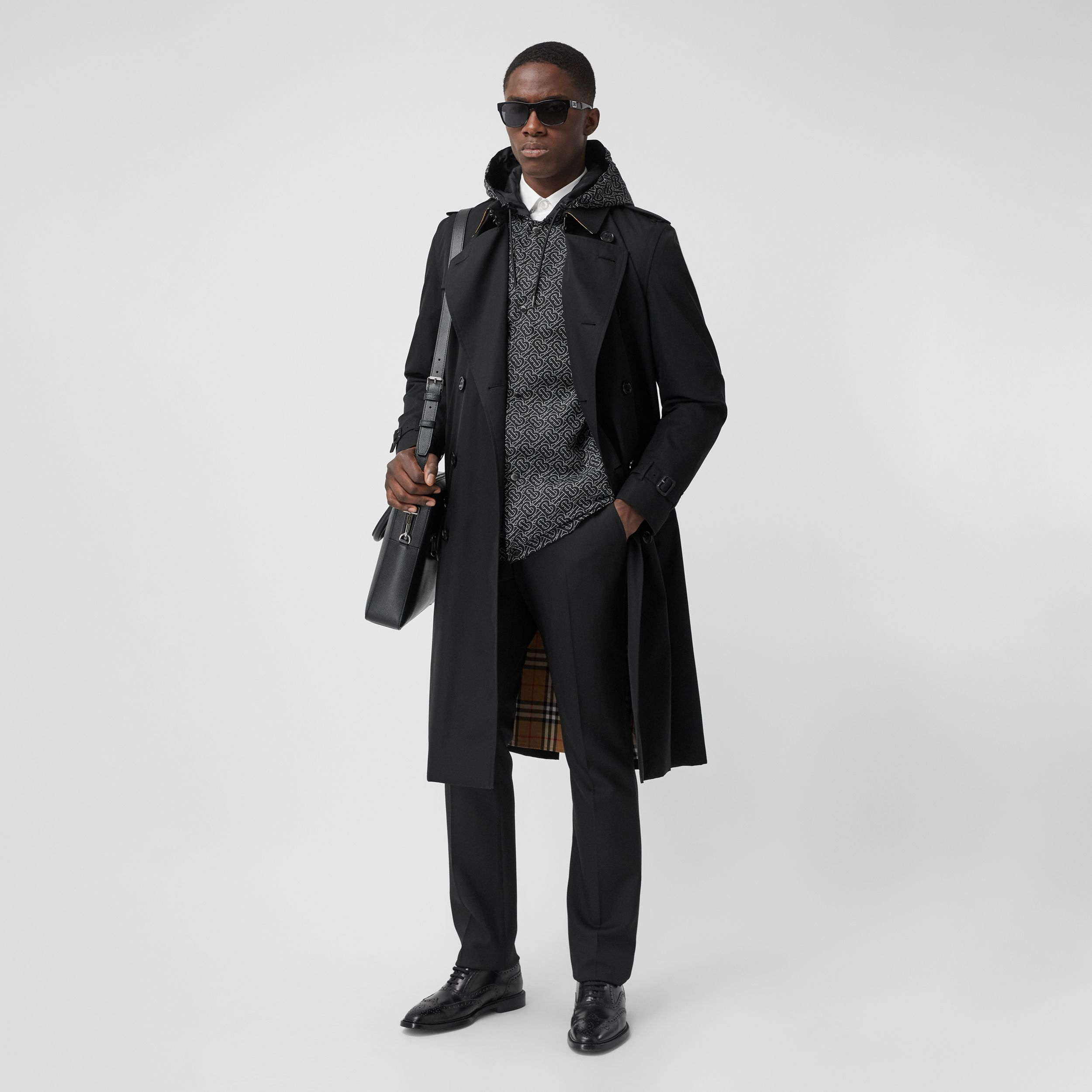The Long Kensington Heritage Trench Coat in Black - Men | Burberry - 3