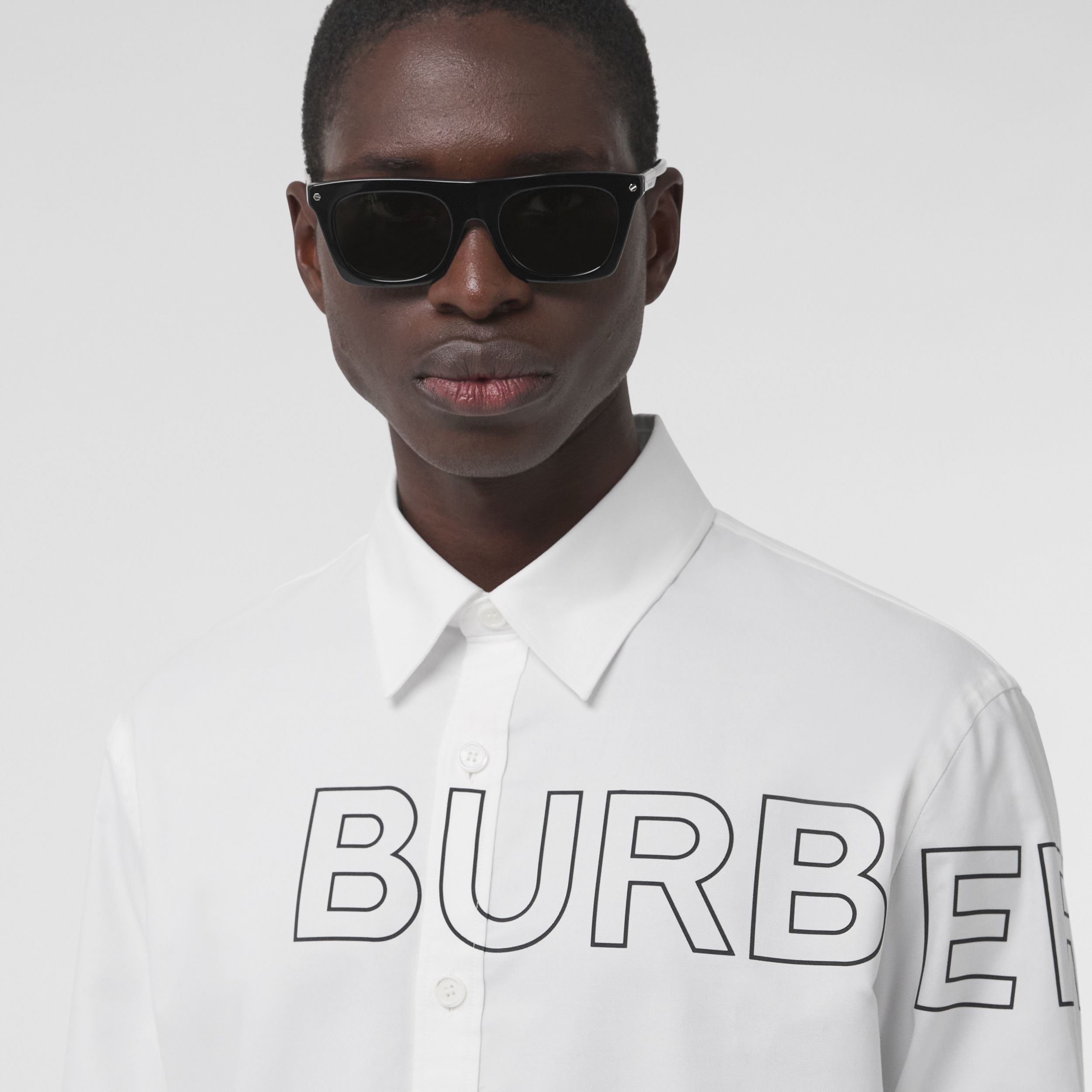 Horseferry Print Cotton Oxford Shirt in White - Men | Burberry - 2