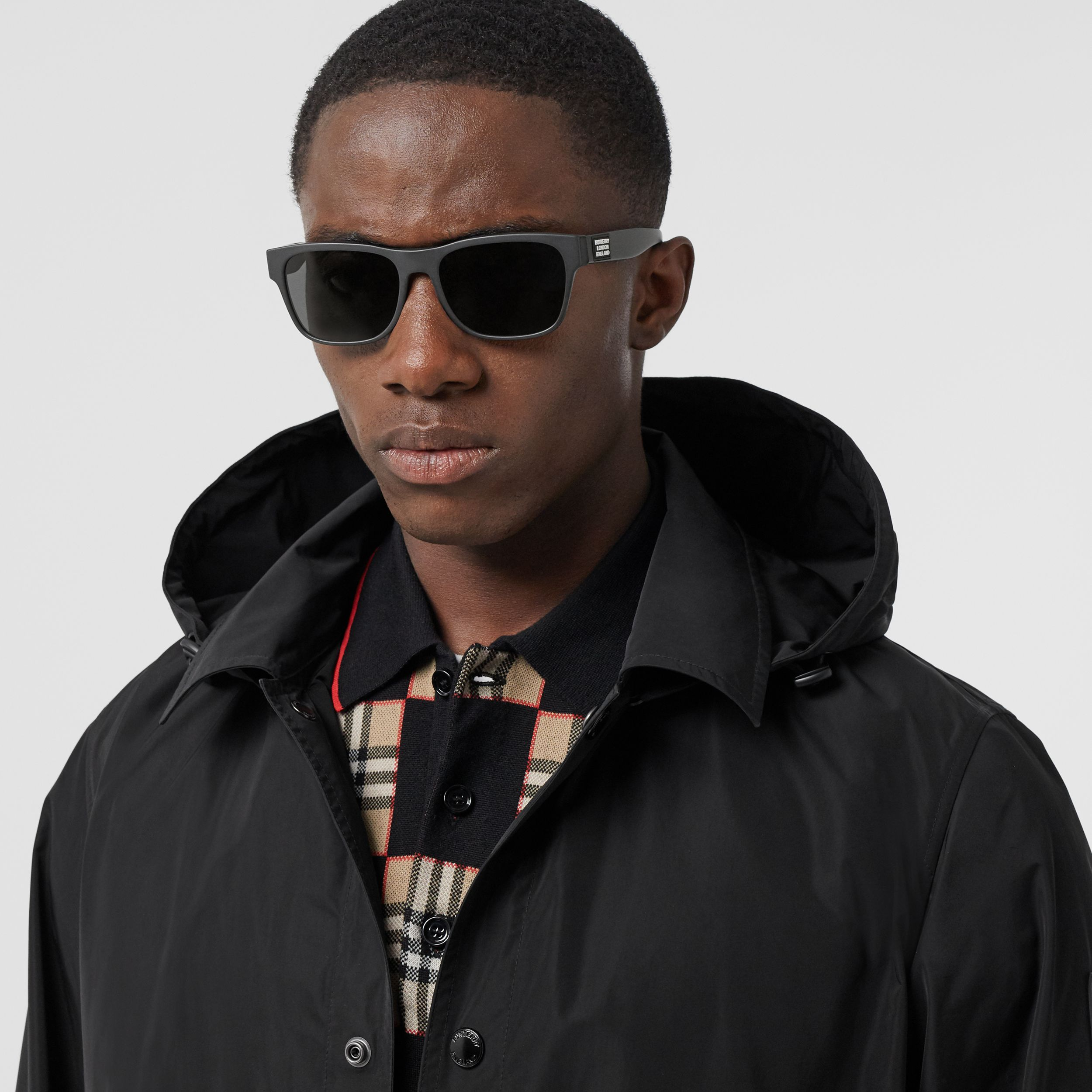 Logo Appliqué Square Frame Sunglasses in Black - Men | Burberry United Kingdom - 2