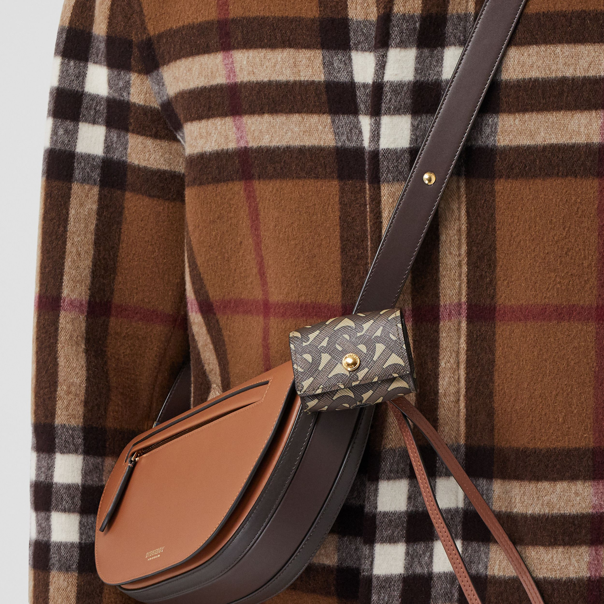 Monogram Print E-canvas AirPods Pro Case Lanyard in Bridle Brown | Burberry Canada - 4