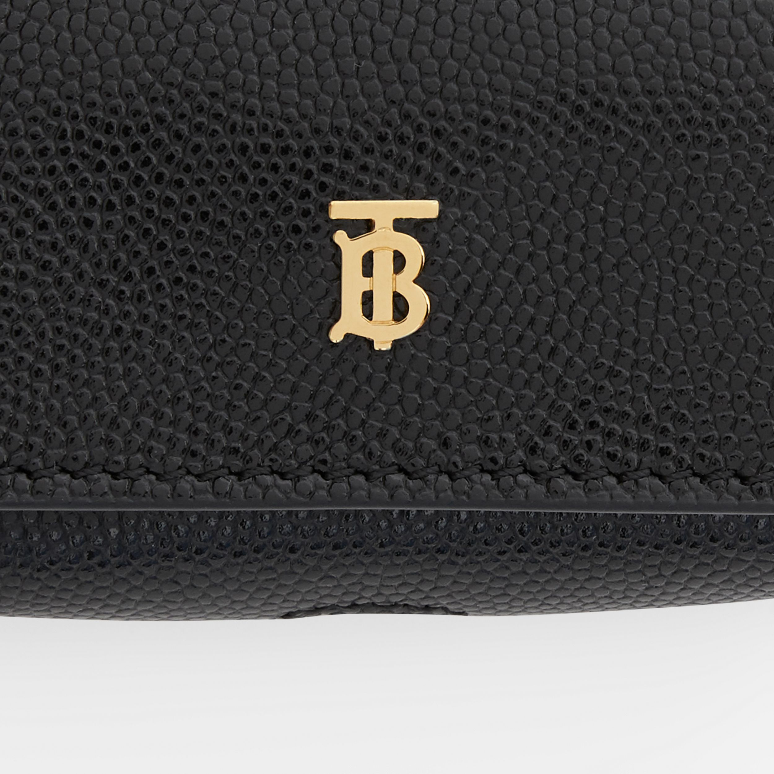Grainy Leather AirPods Pro Case in Black | Burberry - 2