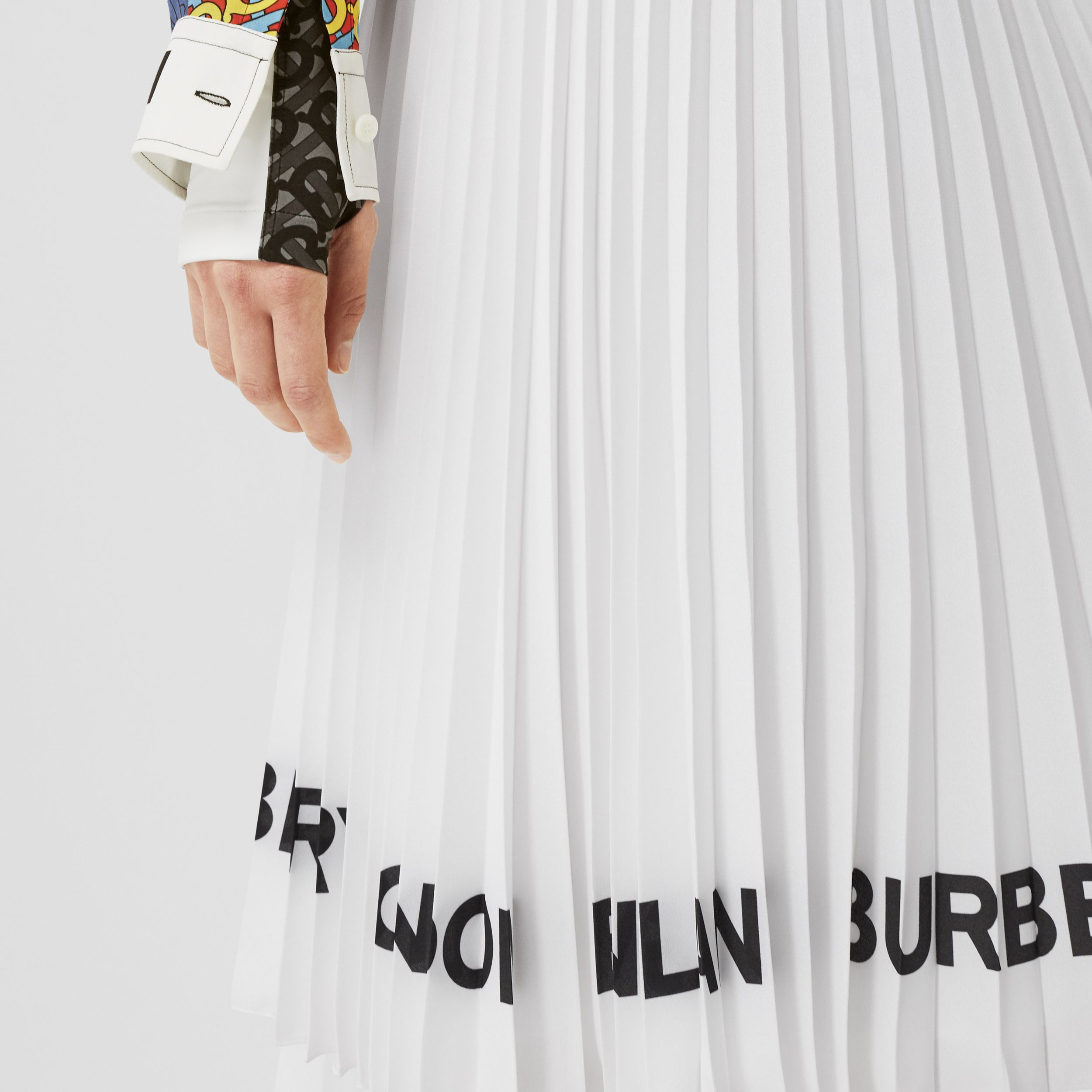 Logo Print Crepe De Chine Pleated Skirt in White - Women | Burberry - 2