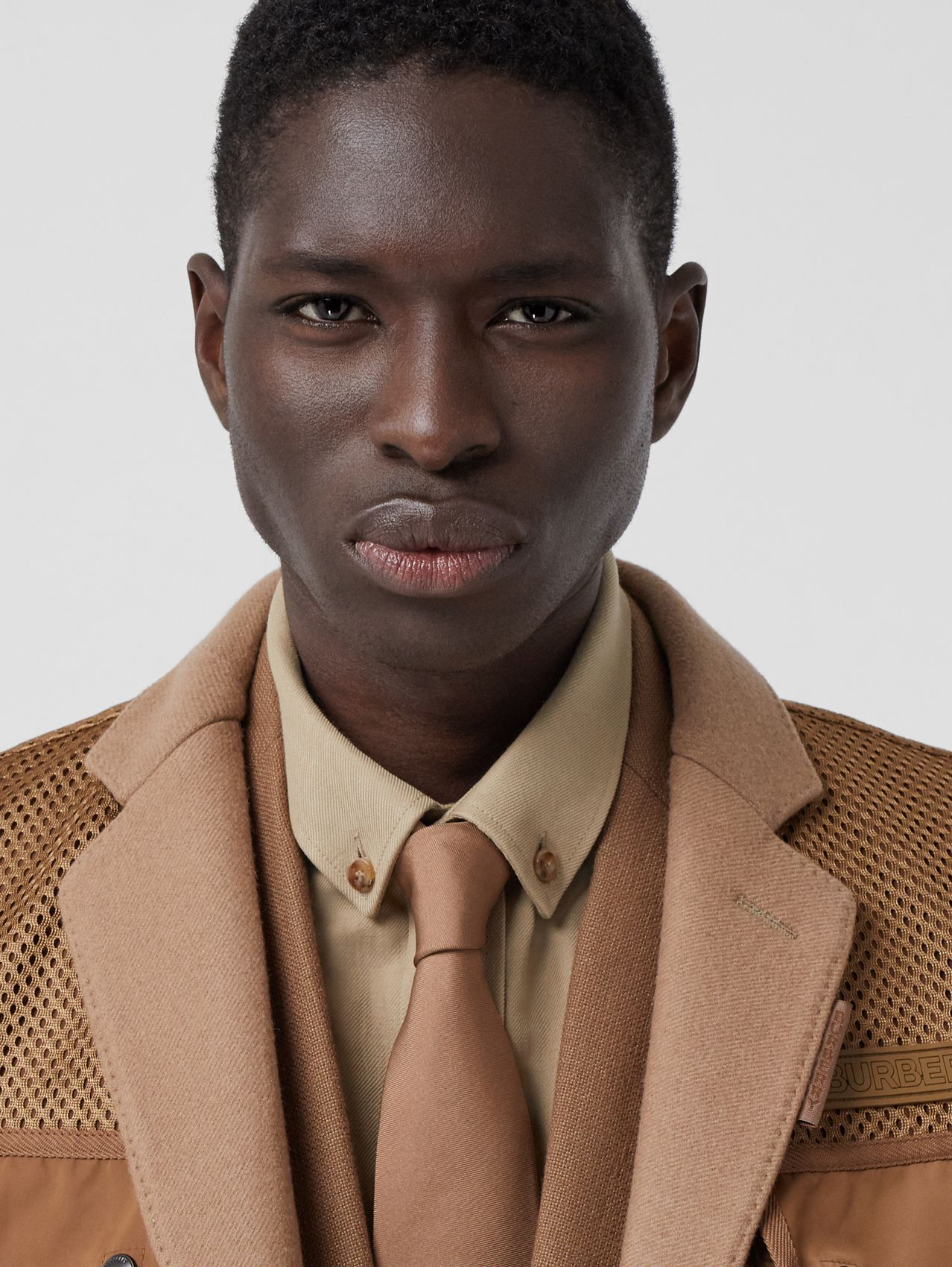 Classic Cut Silk Tie in Camel