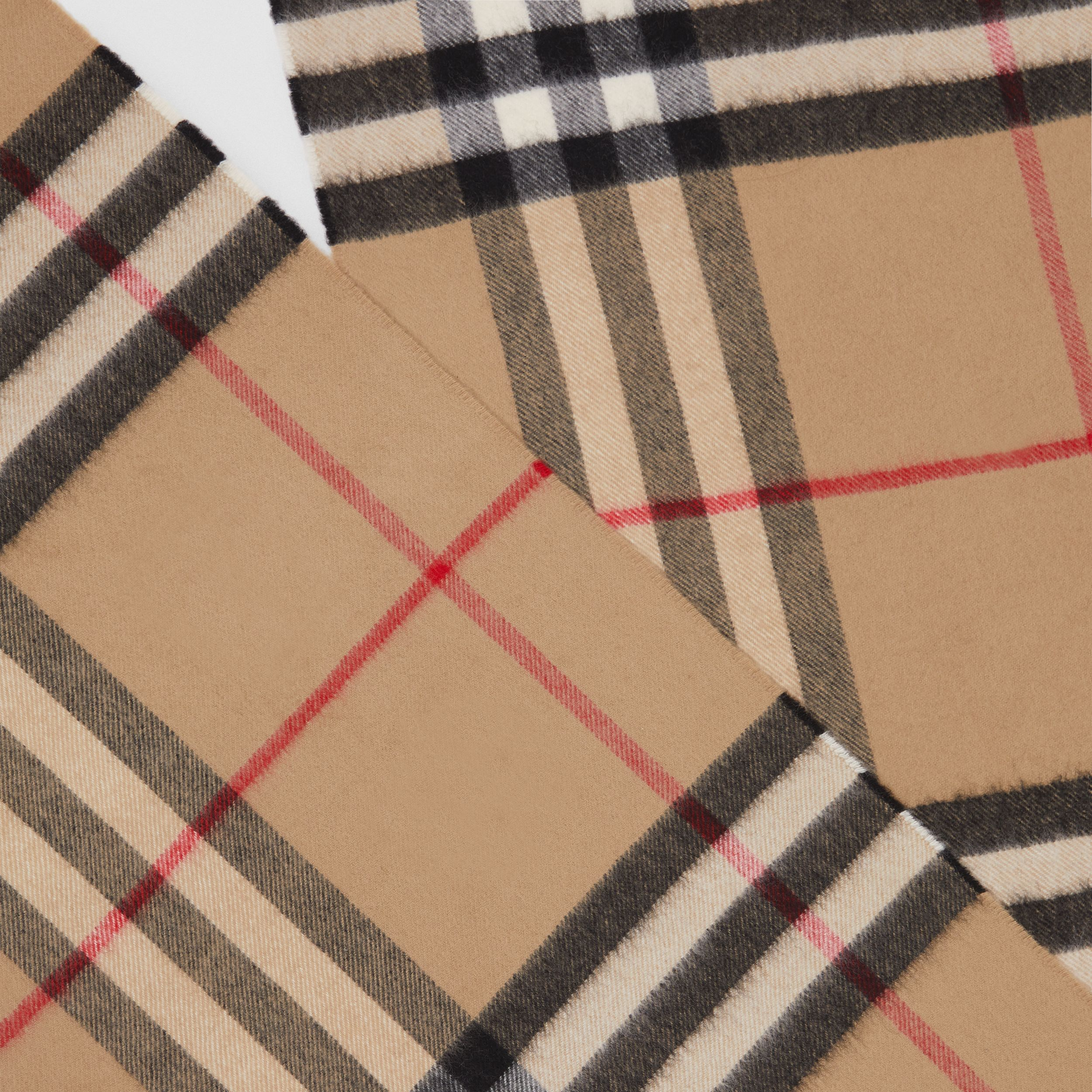 The Classic Check Cashmere Scarf in Archive Beige | Burberry Hong Kong S.A.R. - 2