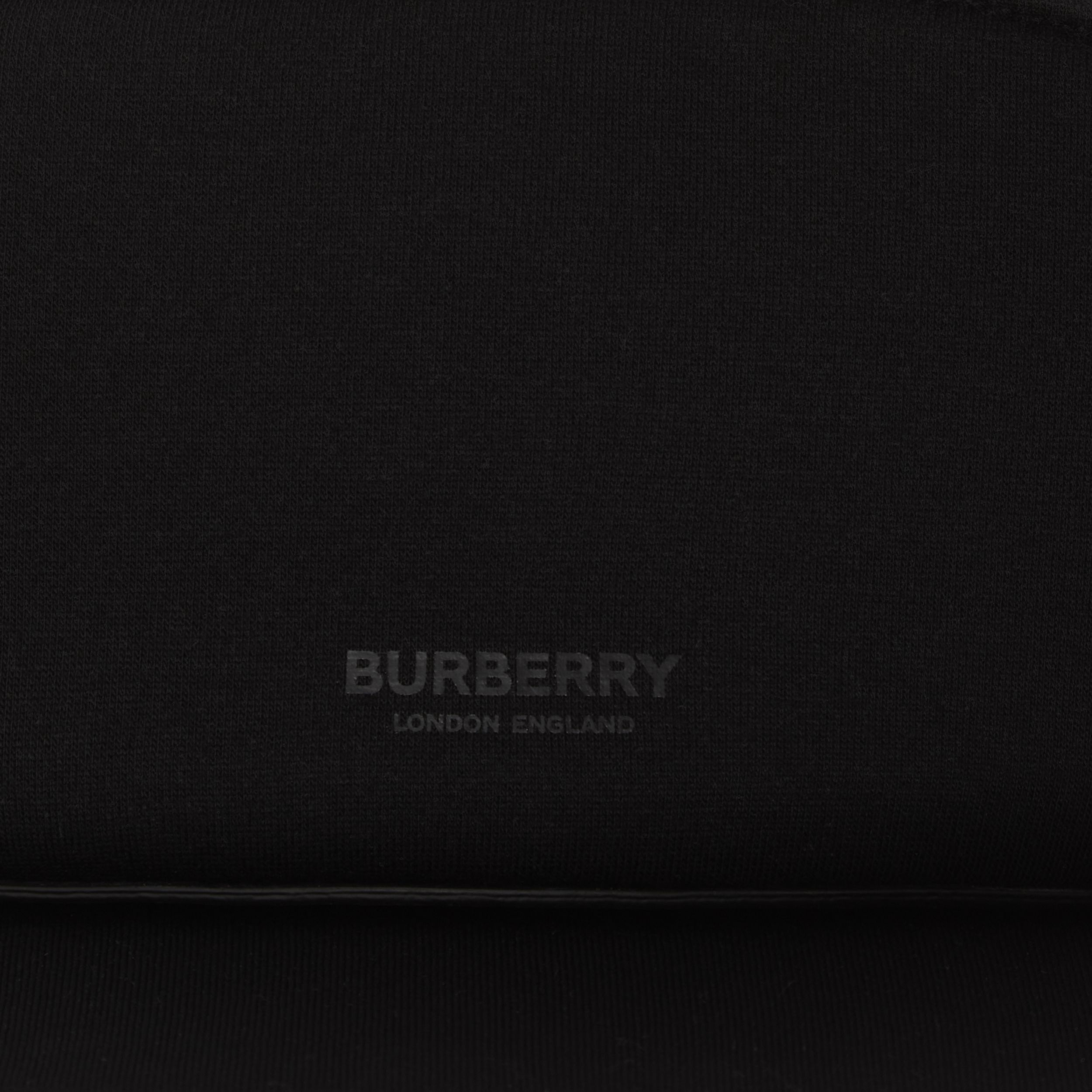 Neoprene Visor with Detachable Zip Pocket in Black | Burberry United Kingdom - 2