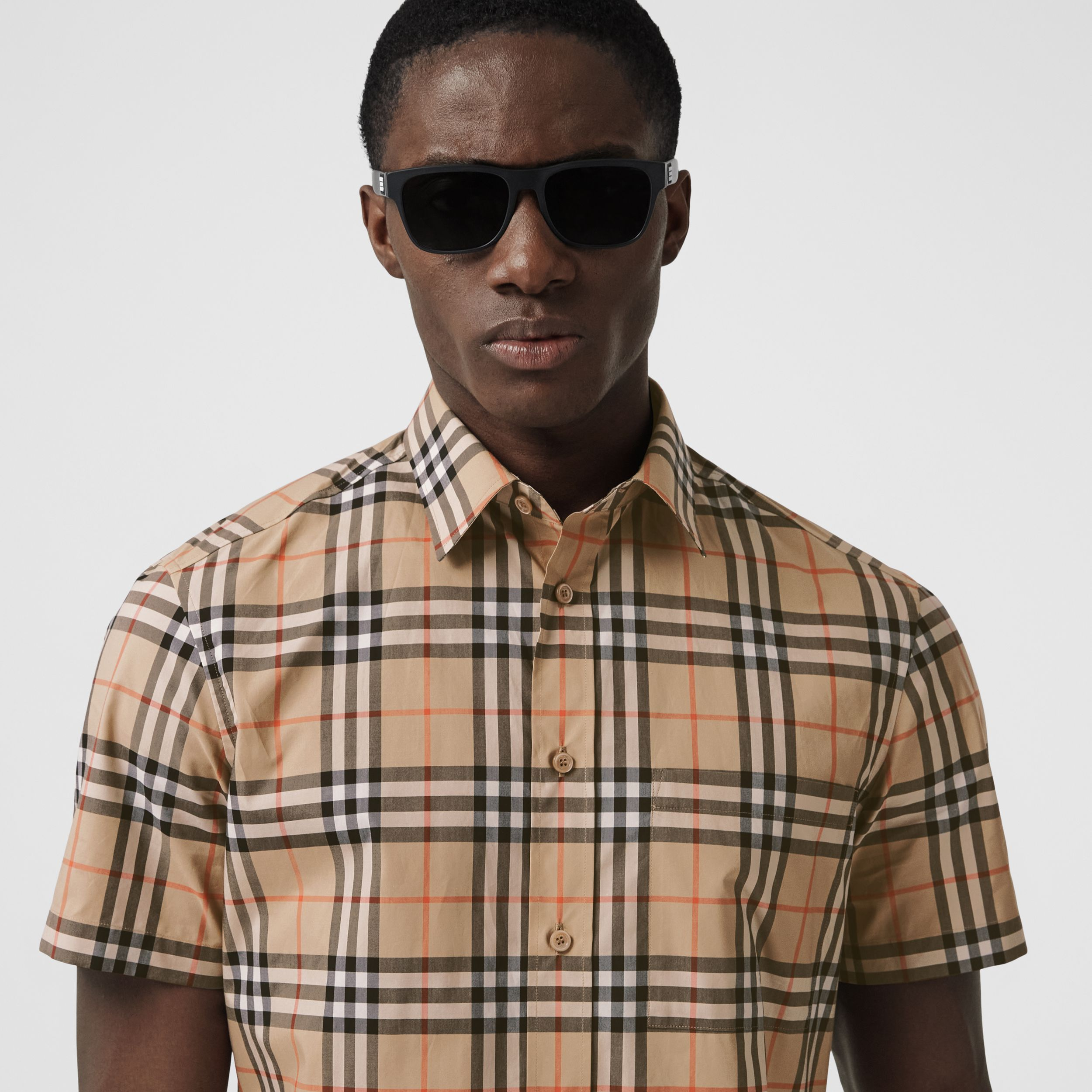 Short-sleeve Logo Appliqué Vintage Check Shirt in Archive Beige - Men | Burberry - 2