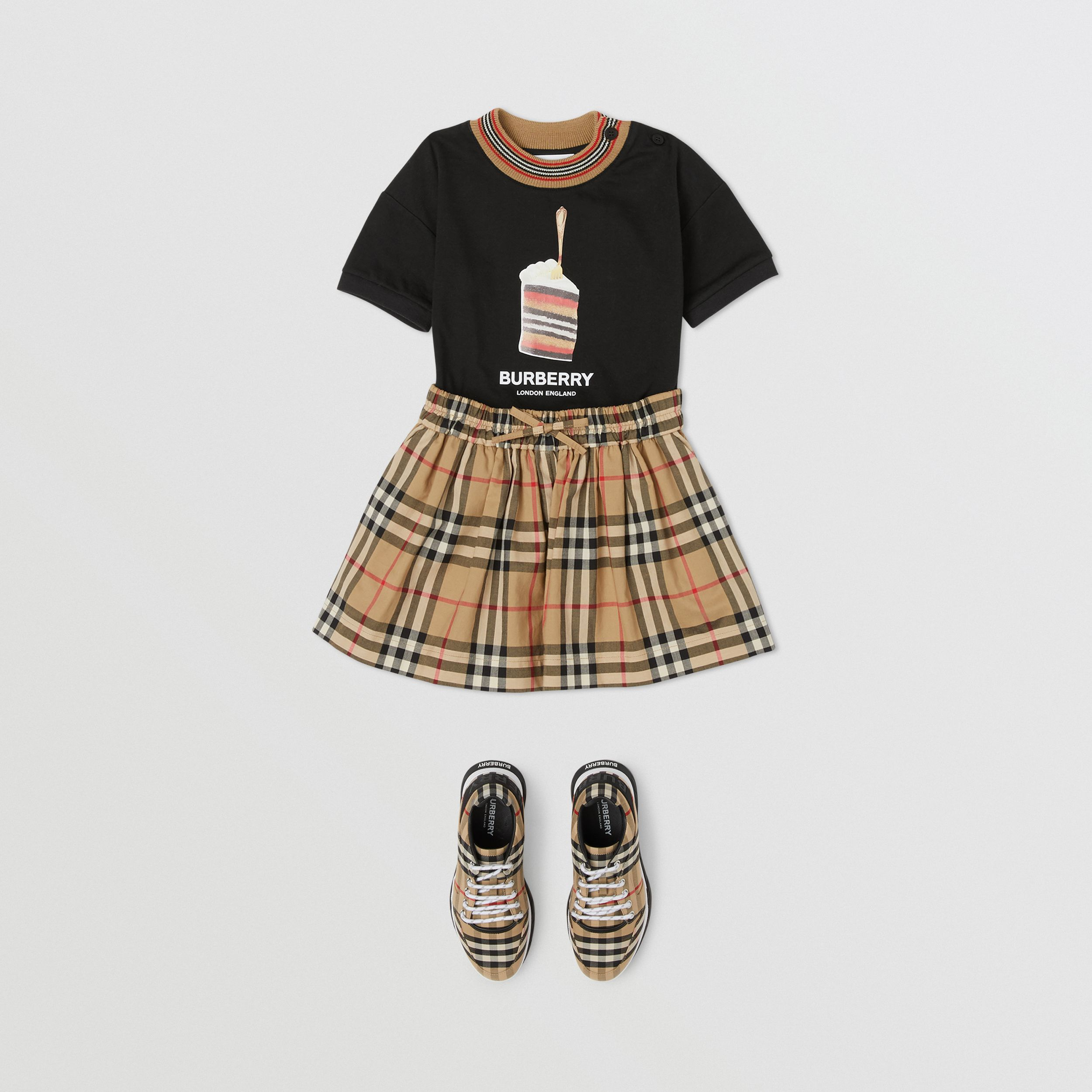 Vintage Check Gathered Cotton Shorts in Archive Beige - Children | Burberry - 3