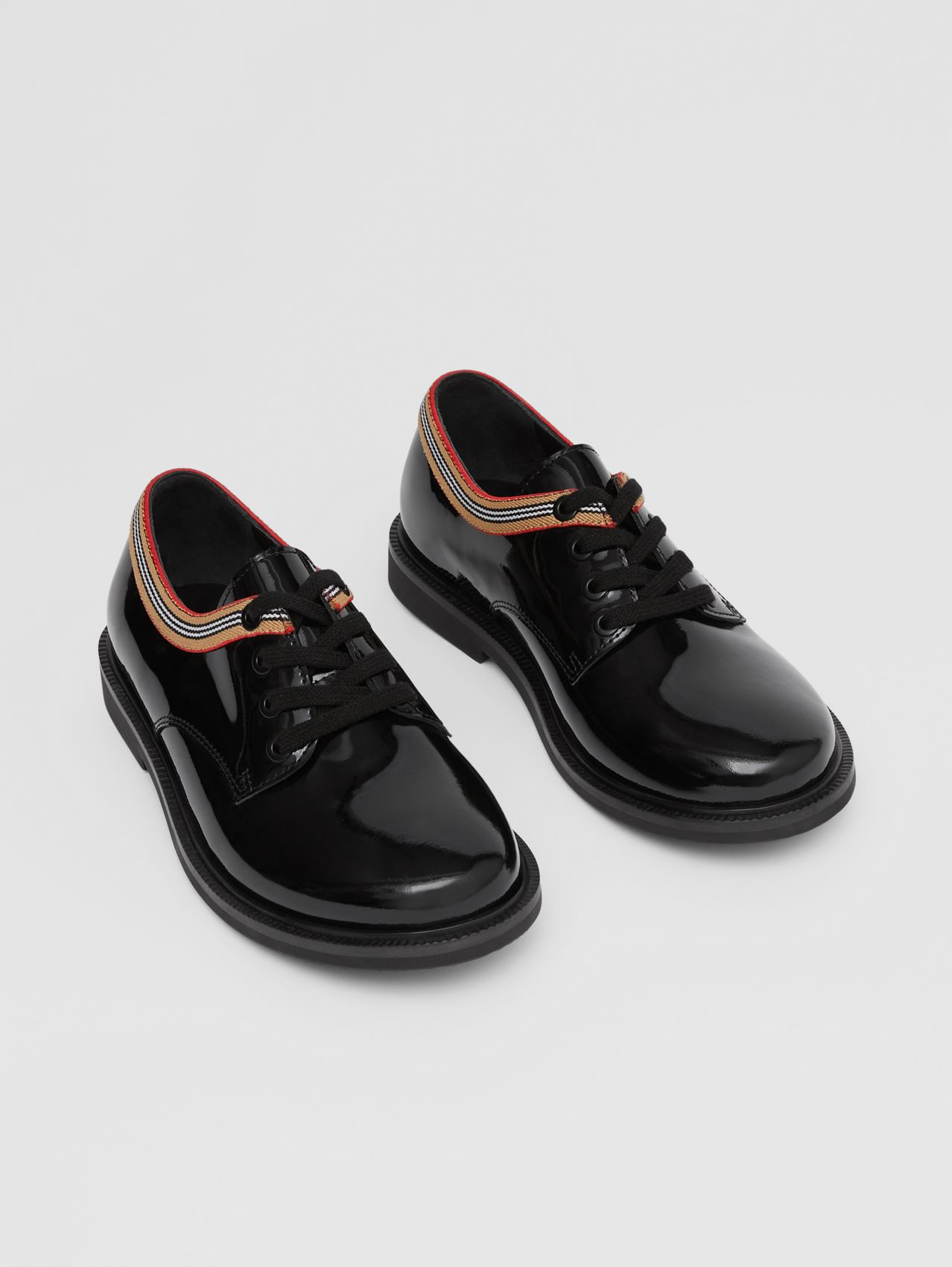 Icon Stripe Trim Patent Leather Shoes in Black