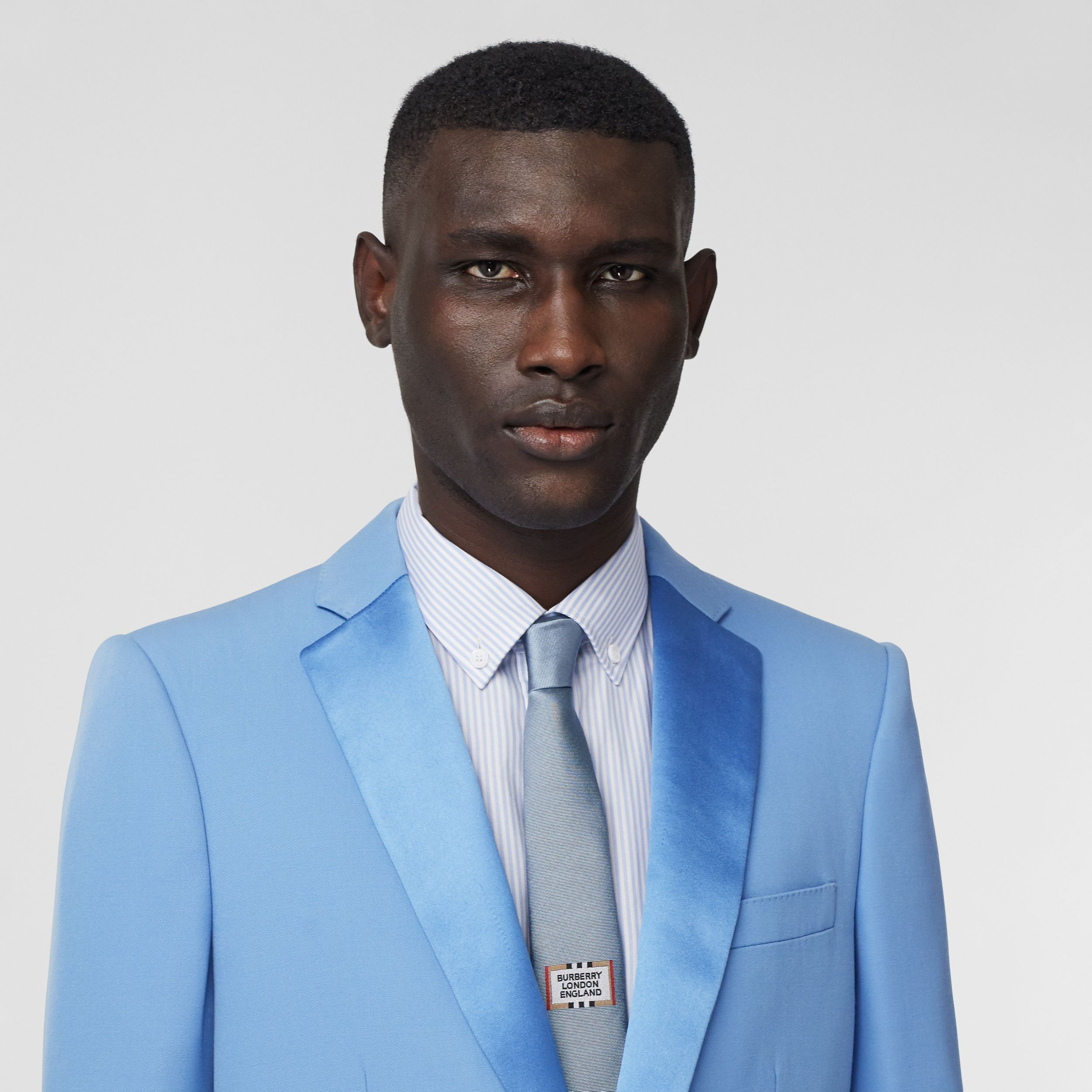 English Fit Grain De Poudre Wool Tuxedo Jacket in Vivid Cobalt - Men | Burberry - 2