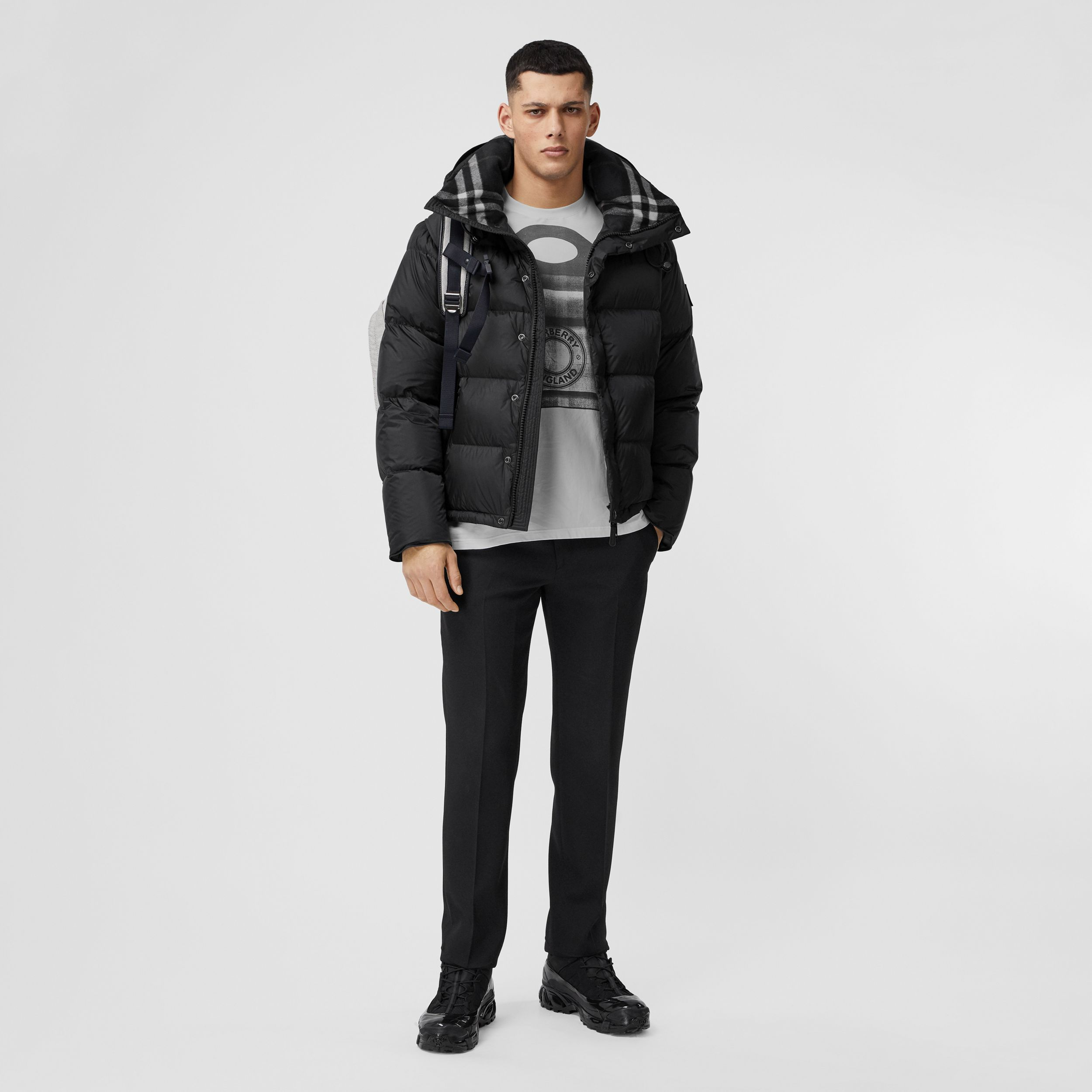Detachable Sleeve Hooded Puffer Jacket in Black - Men | Burberry United Kingdom - 1