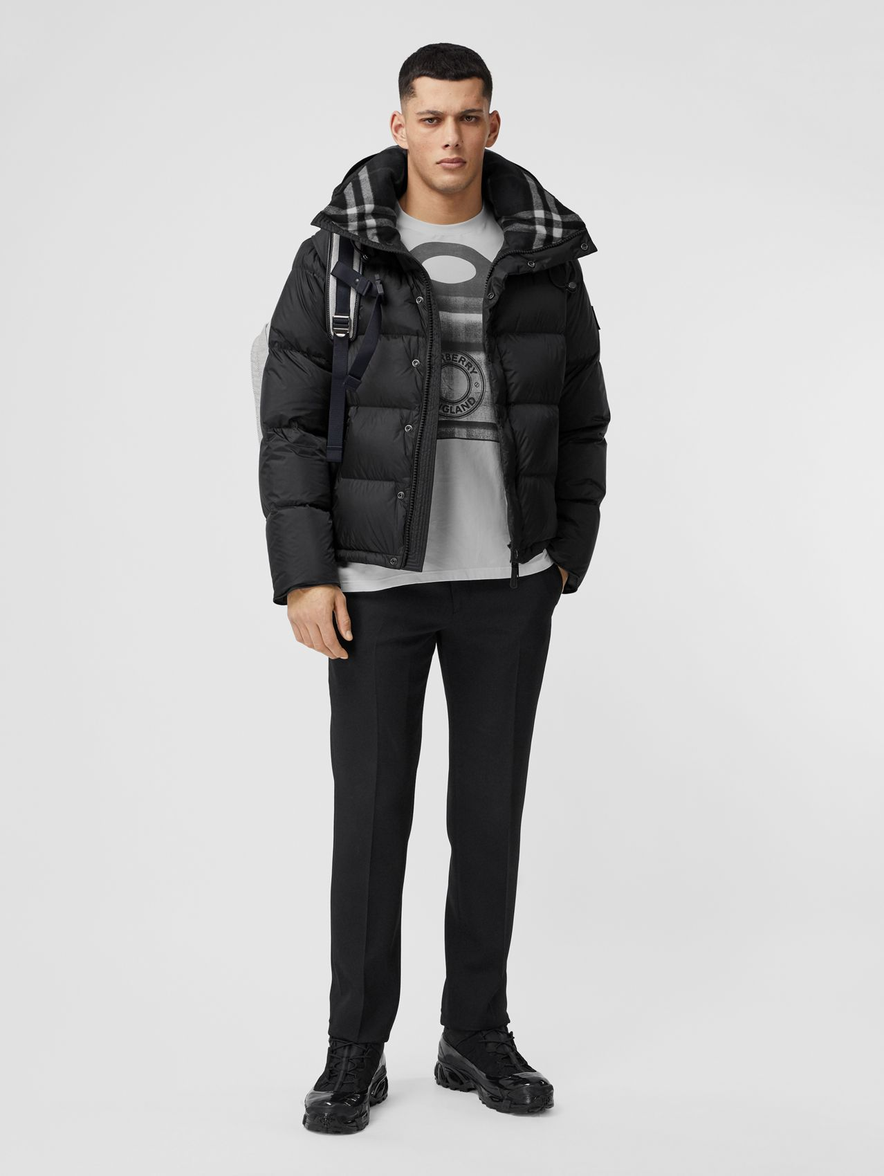 Detachable Sleeve Hooded Puffer Jacket in Black