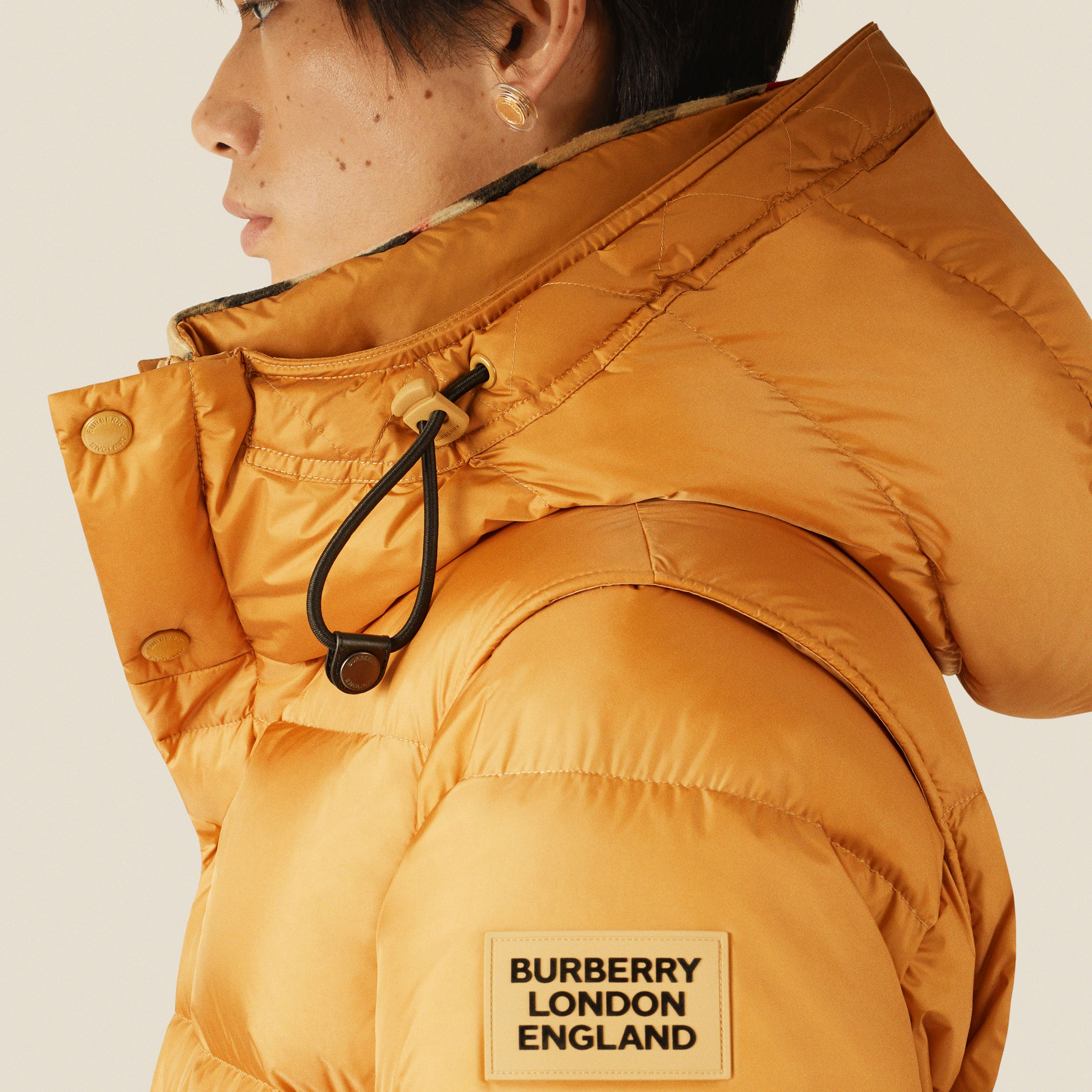 Detachable Sleeve Hooded Puffer Jacket in Warm Honey - Men | Burberry Singapore - 2