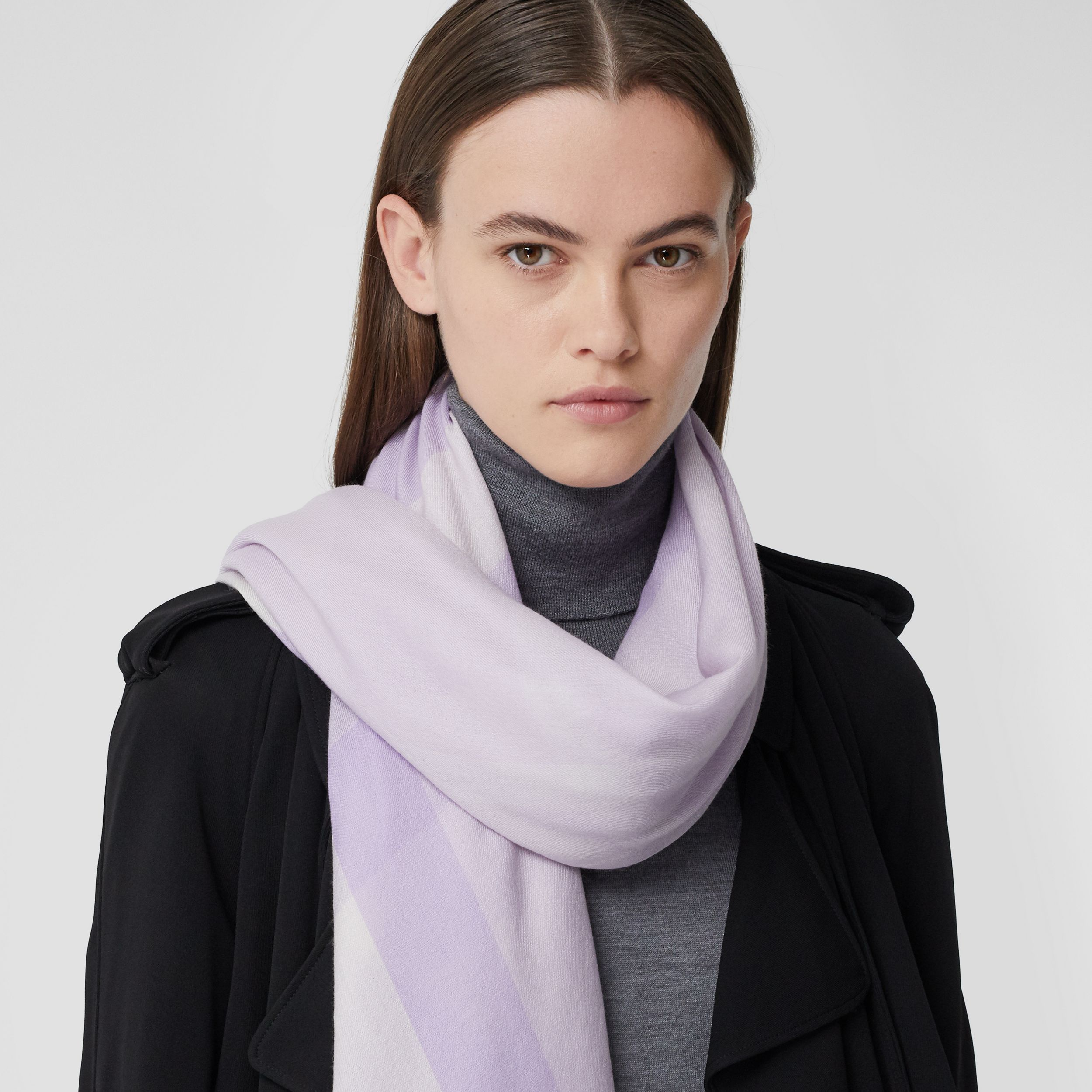 Lightweight Check Cashmere Scarf in Lilac | Burberry - 3