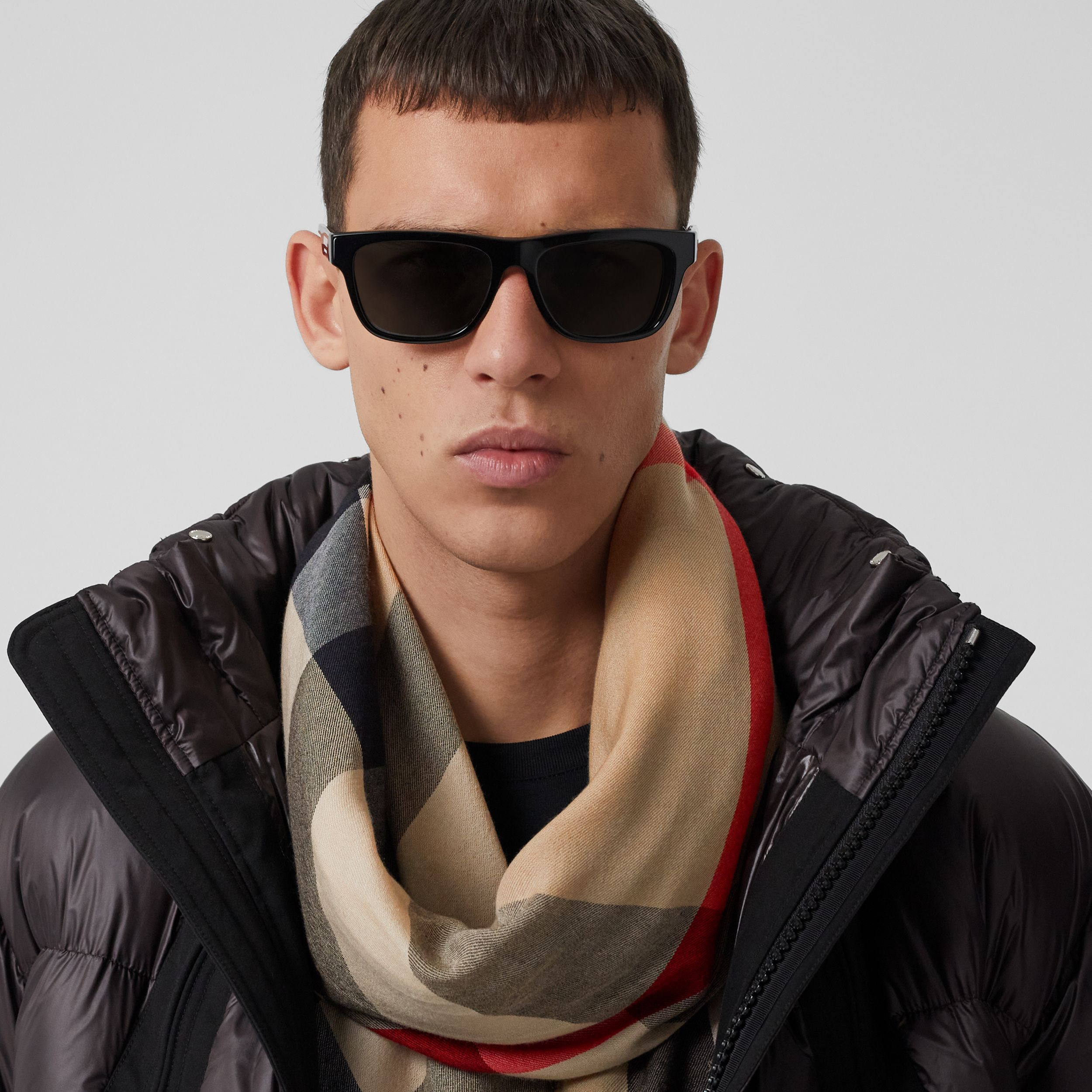 Love Print Lightweight Check Cashmere Scarf in Archive Beige | Burberry - 4