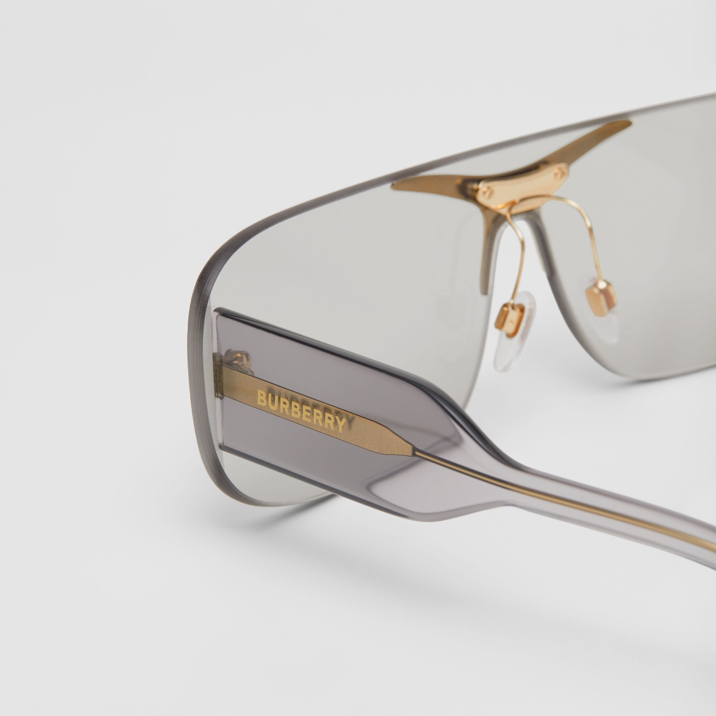 Blake Shield Sunglasses in Light Grey | Burberry - 2