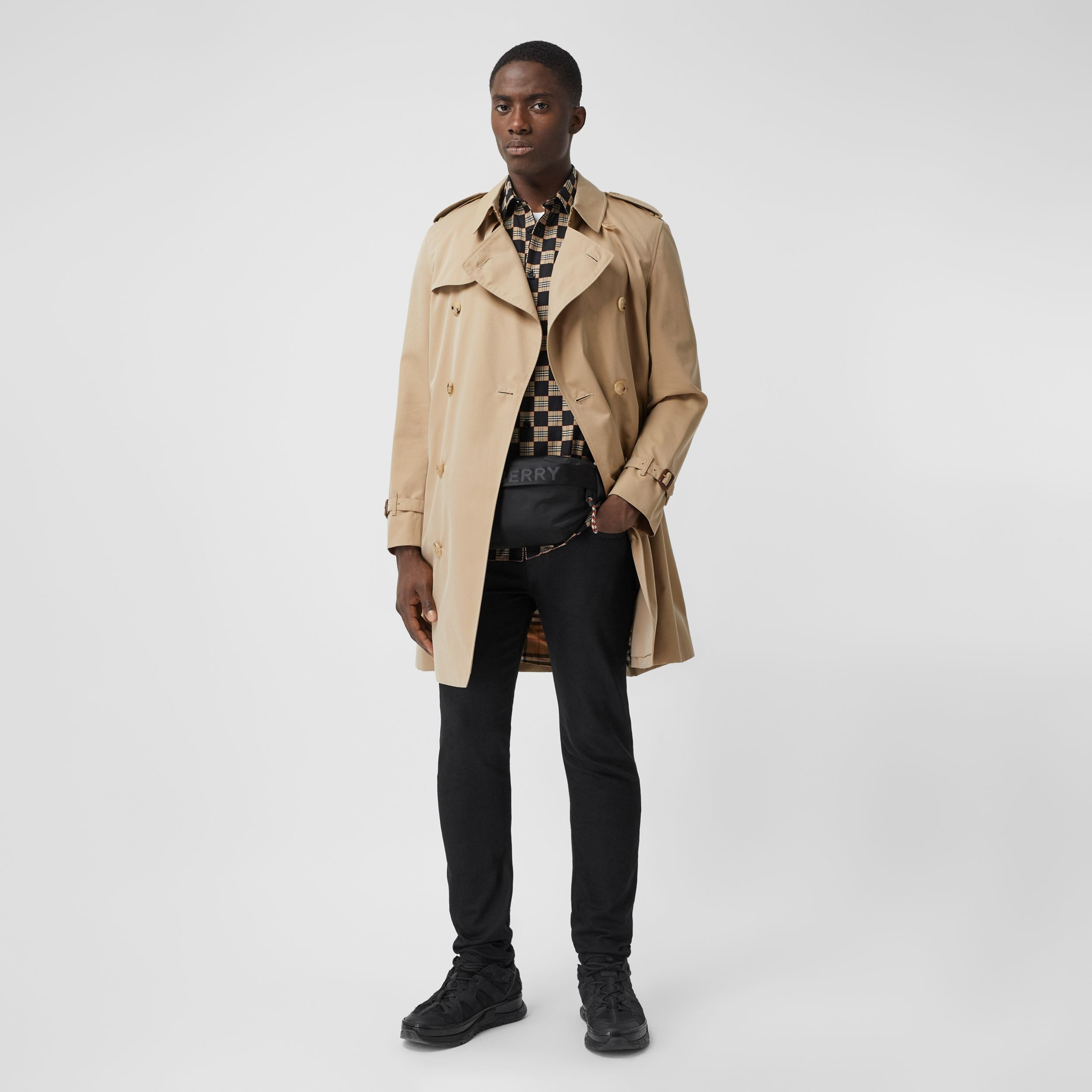 The Mid-length Chelsea Heritage Trench Coat in Honey - Men | Burberry - 3