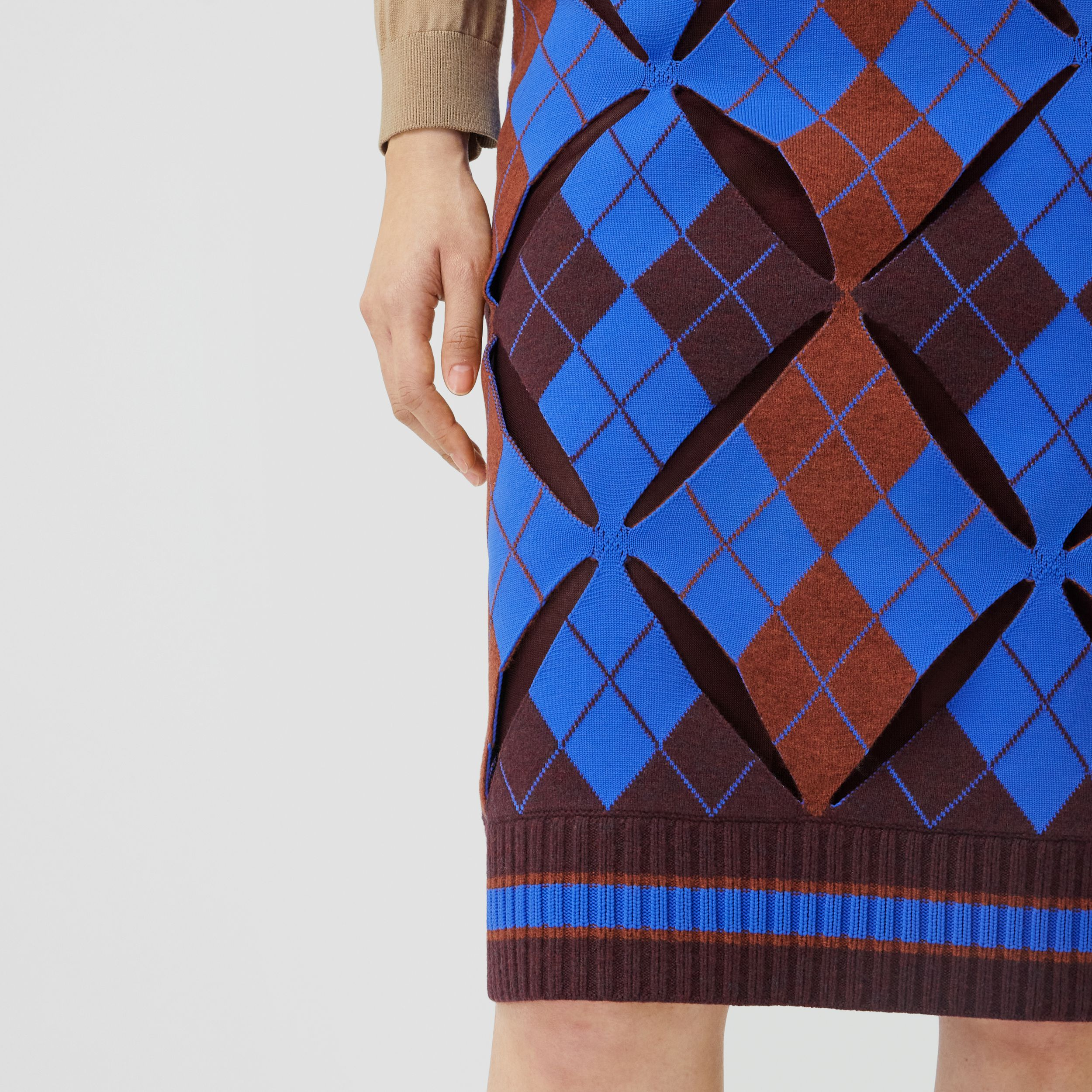 Cut-out Detail Argyle Technical Wool Jacquard Skirt in Bright Blue - Women | Burberry - 2