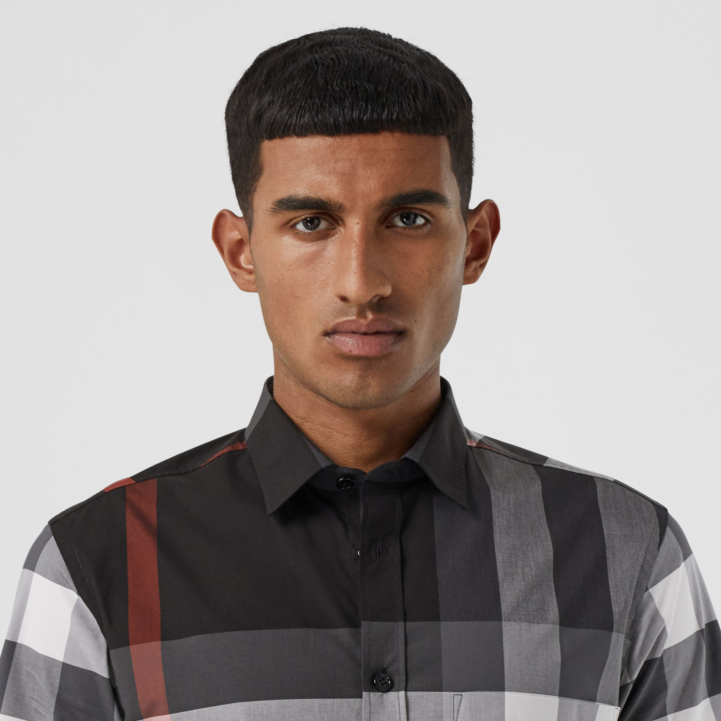 Short-sleeve Check Stretch Cotton Poplin Shirt - Men | Burberry - 2