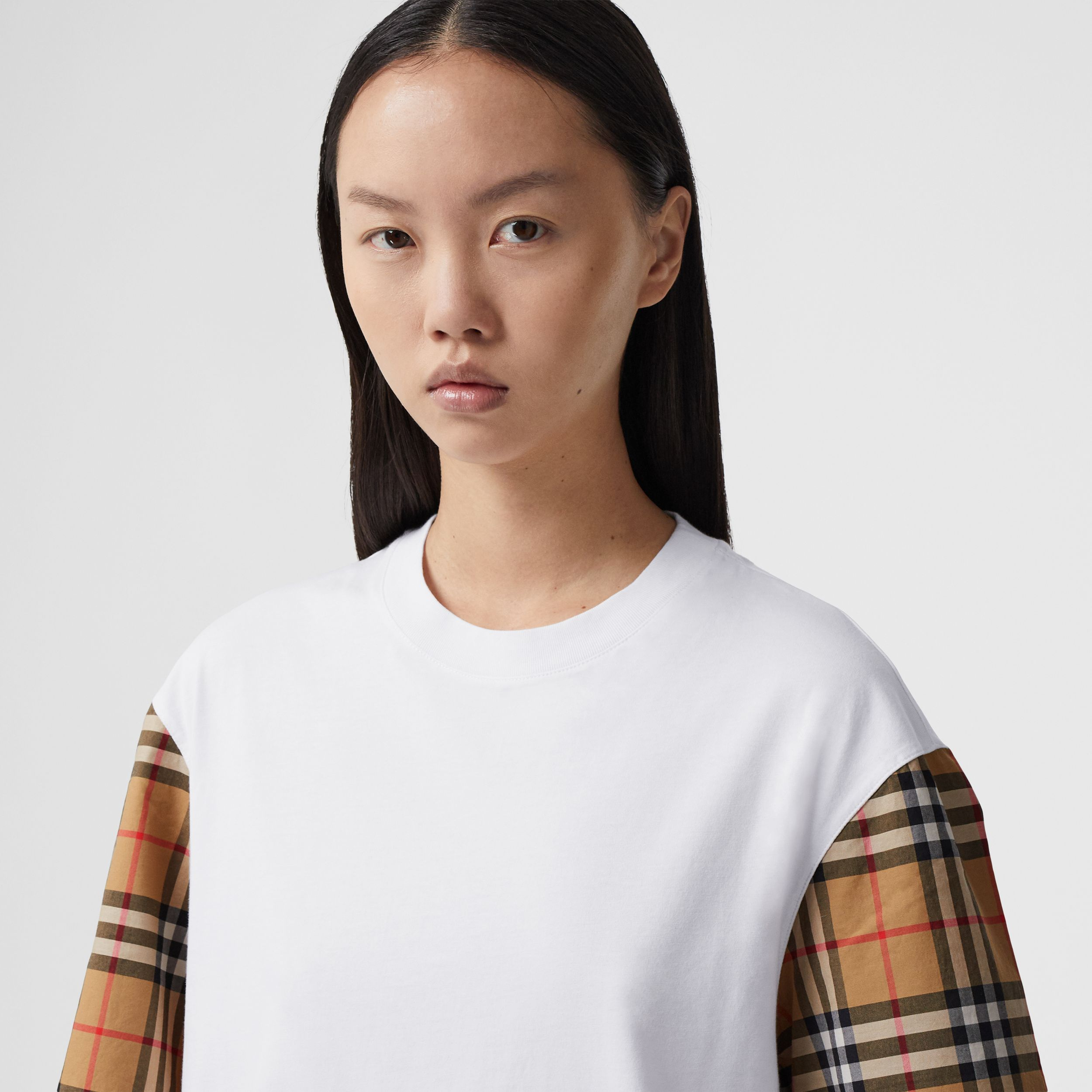 Vintage Check Sleeve Cotton T-shirt in White - Women | Burberry Australia - 2