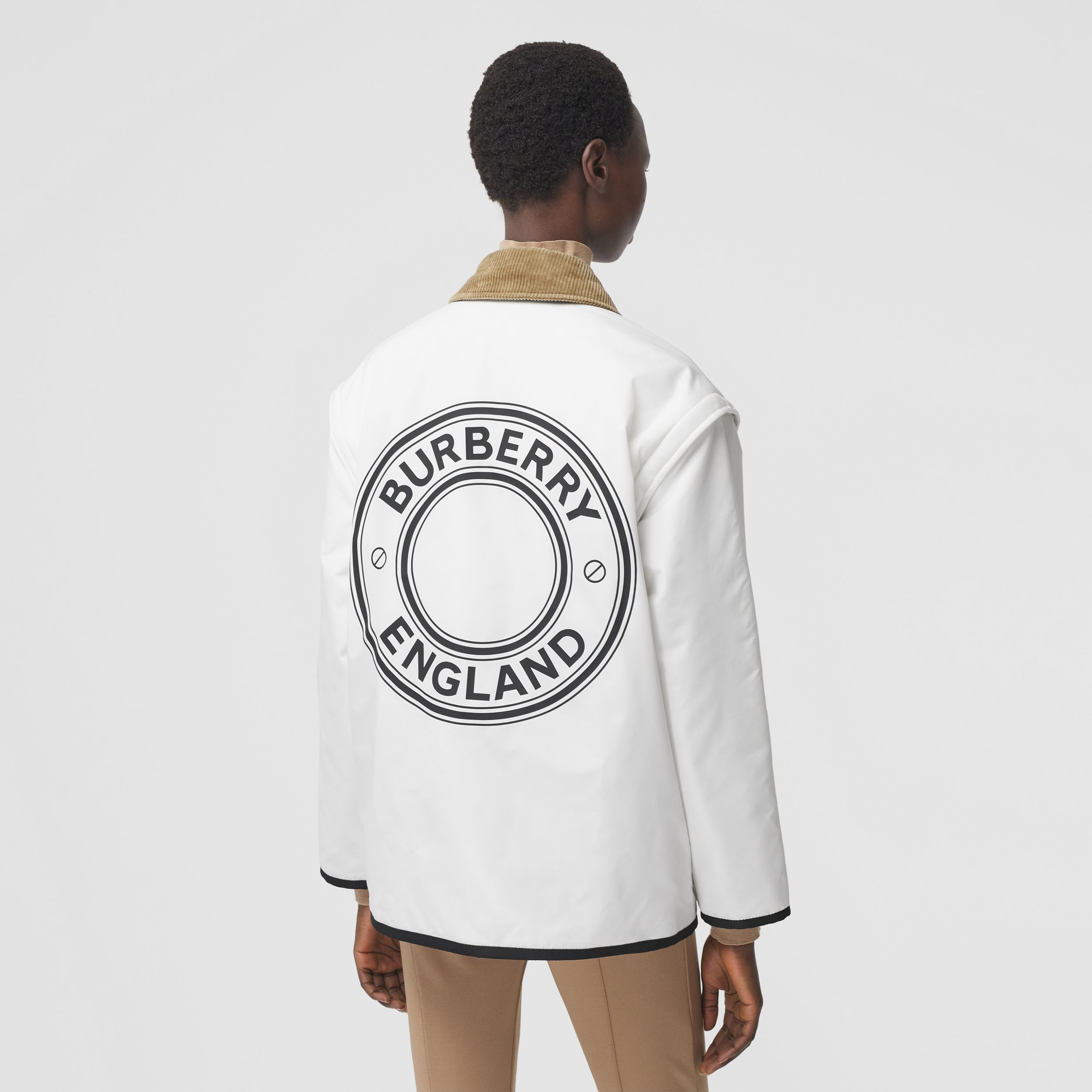 Detachable Sleeve Reversible Logo Graphic Jacket in Natural White - Women | Burberry - 3