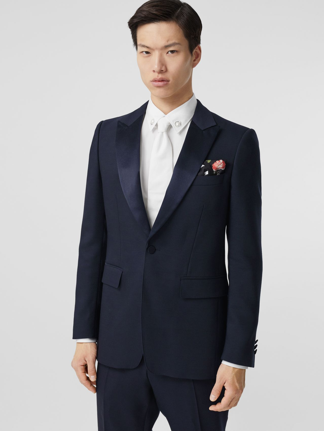 English Fit Wool Silk Blend Tailored Jacket in Navy Black