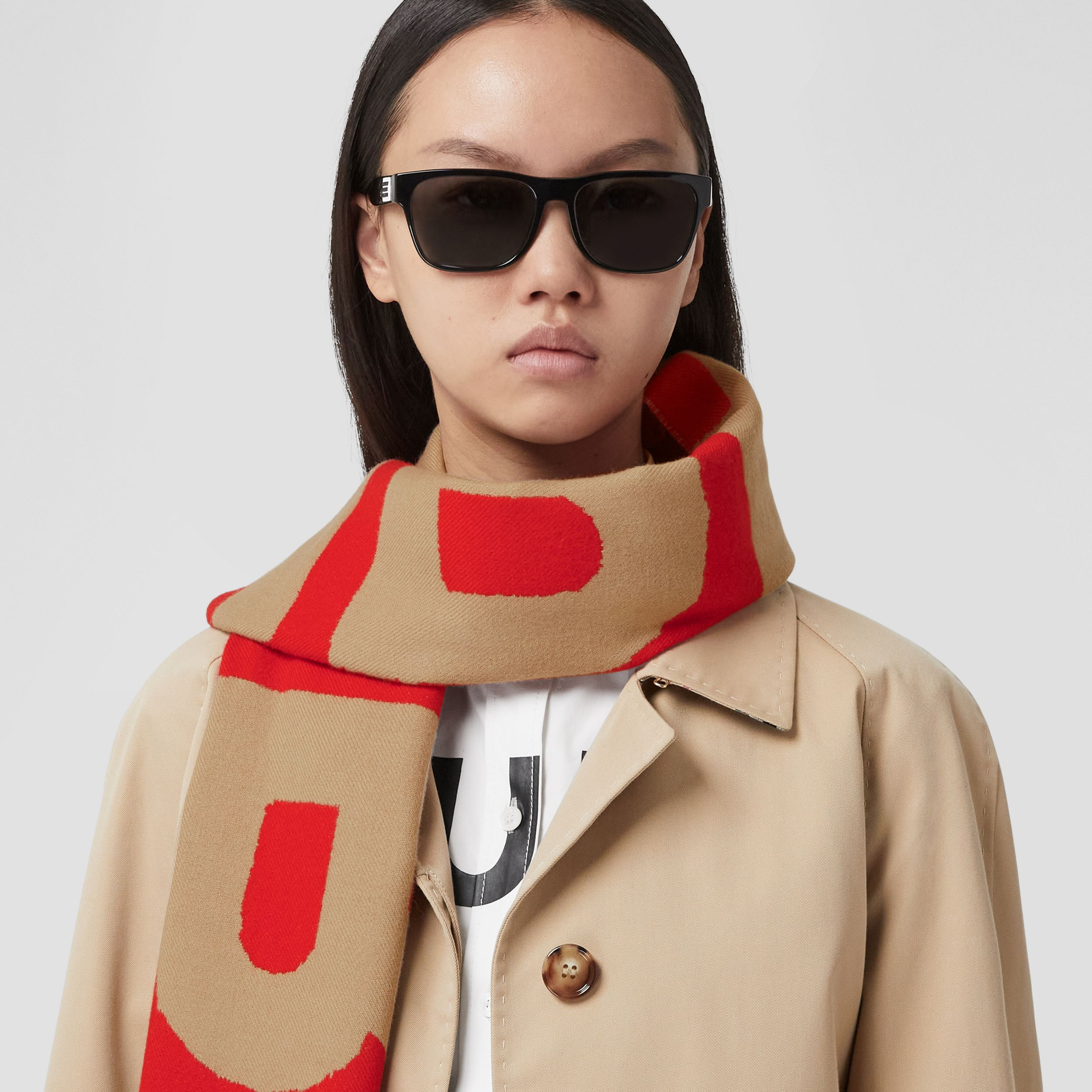 Logo Wool Jacquard Scarf in Archive Beige | Burberry - 3