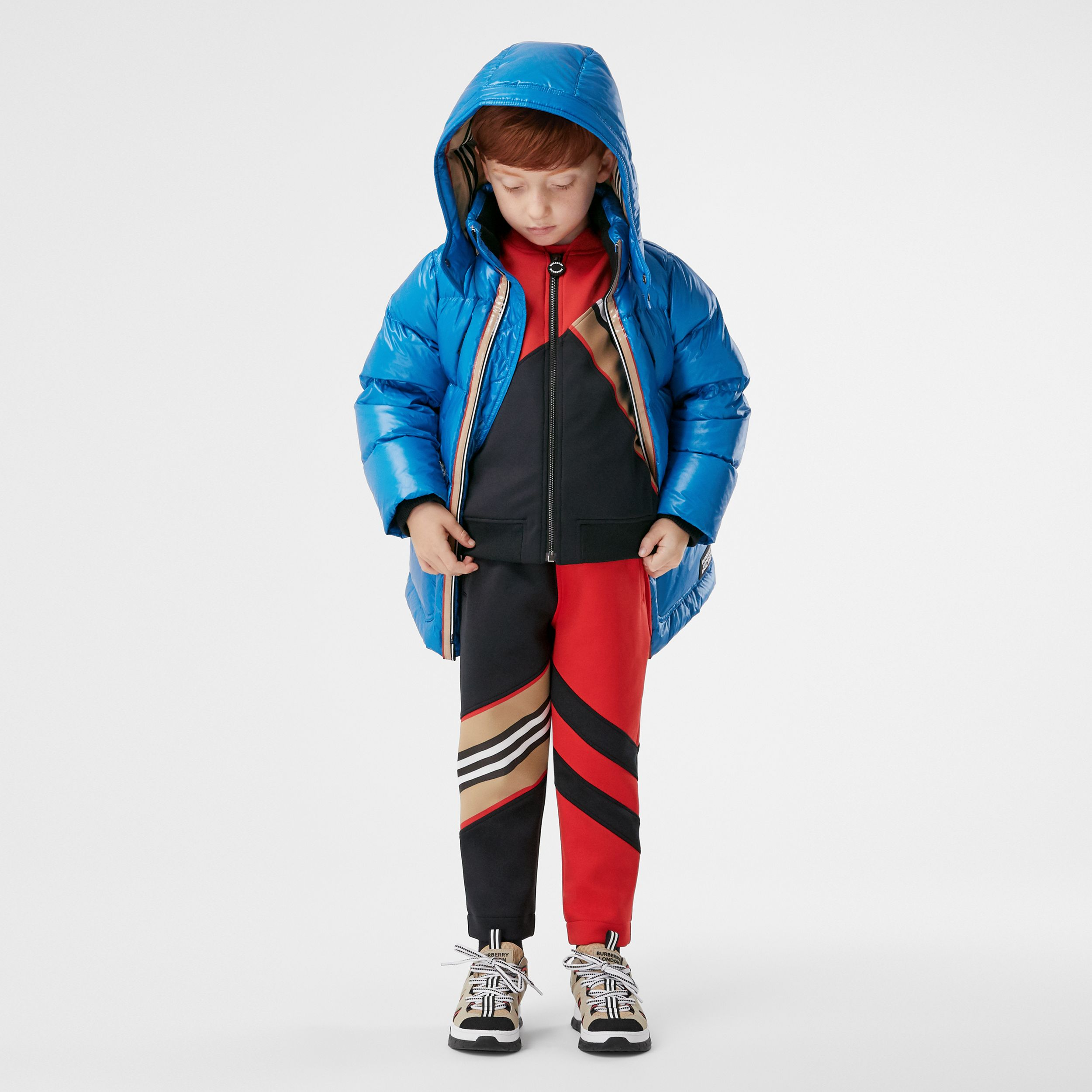 Icon Stripe Trim Hooded Puffer Coat in Cerulean Blue | Burberry Hong Kong S.A.R. - 3