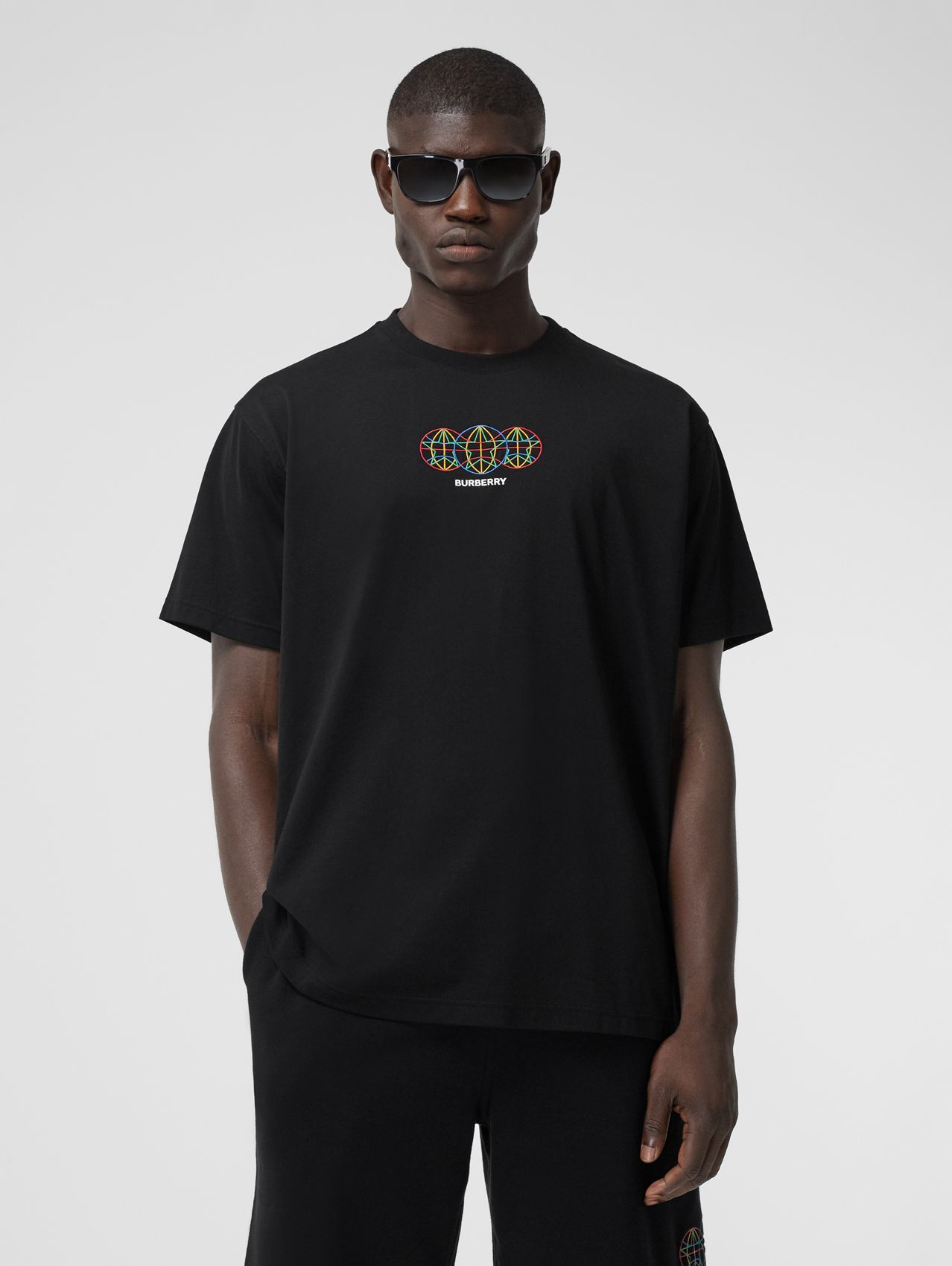 Embroidered Globe Graphic Cotton Oversized T-shirt in Black