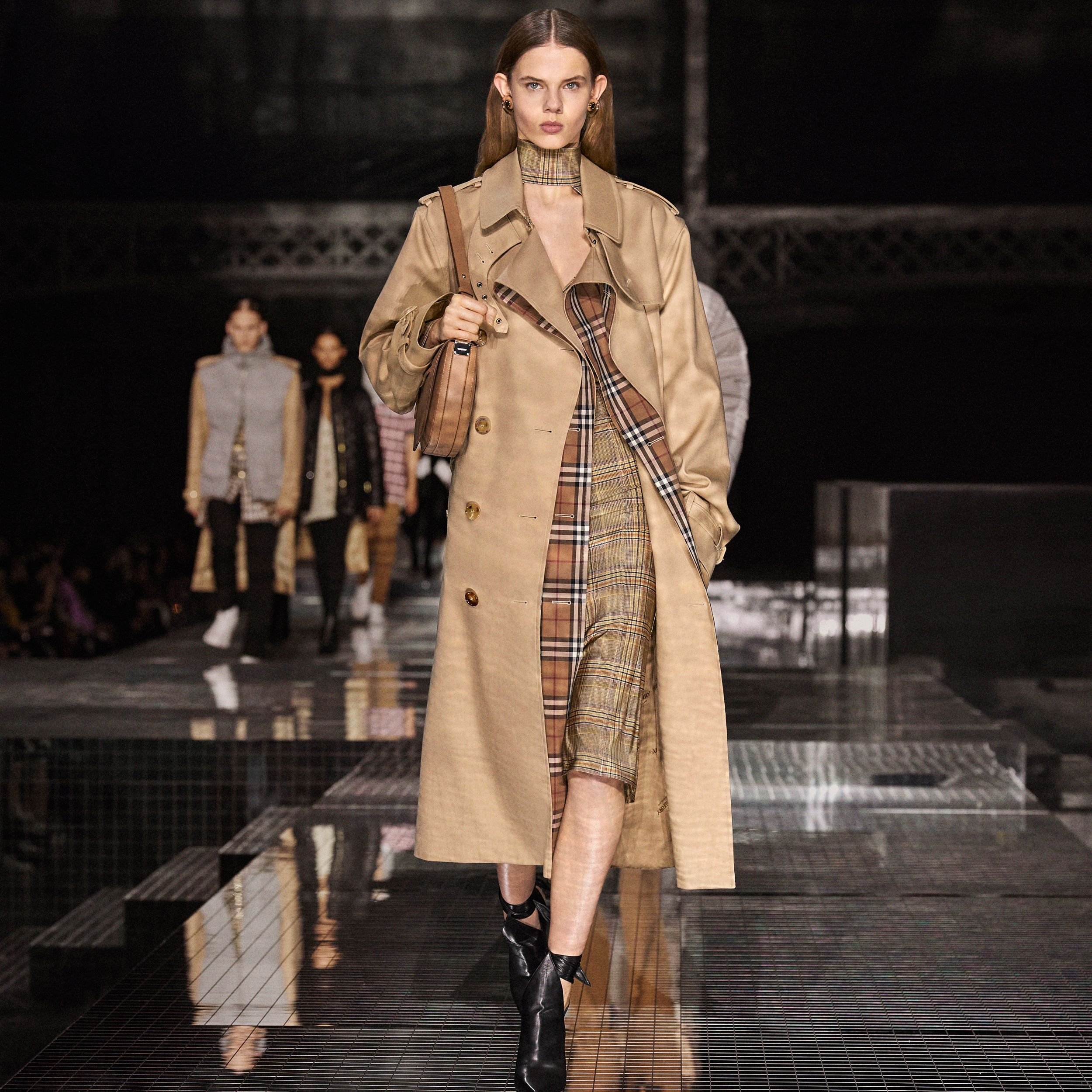 Check Panel Gabardine Loop-back Trench Coat in Dusty Sand - Women | Burberry Australia - 2