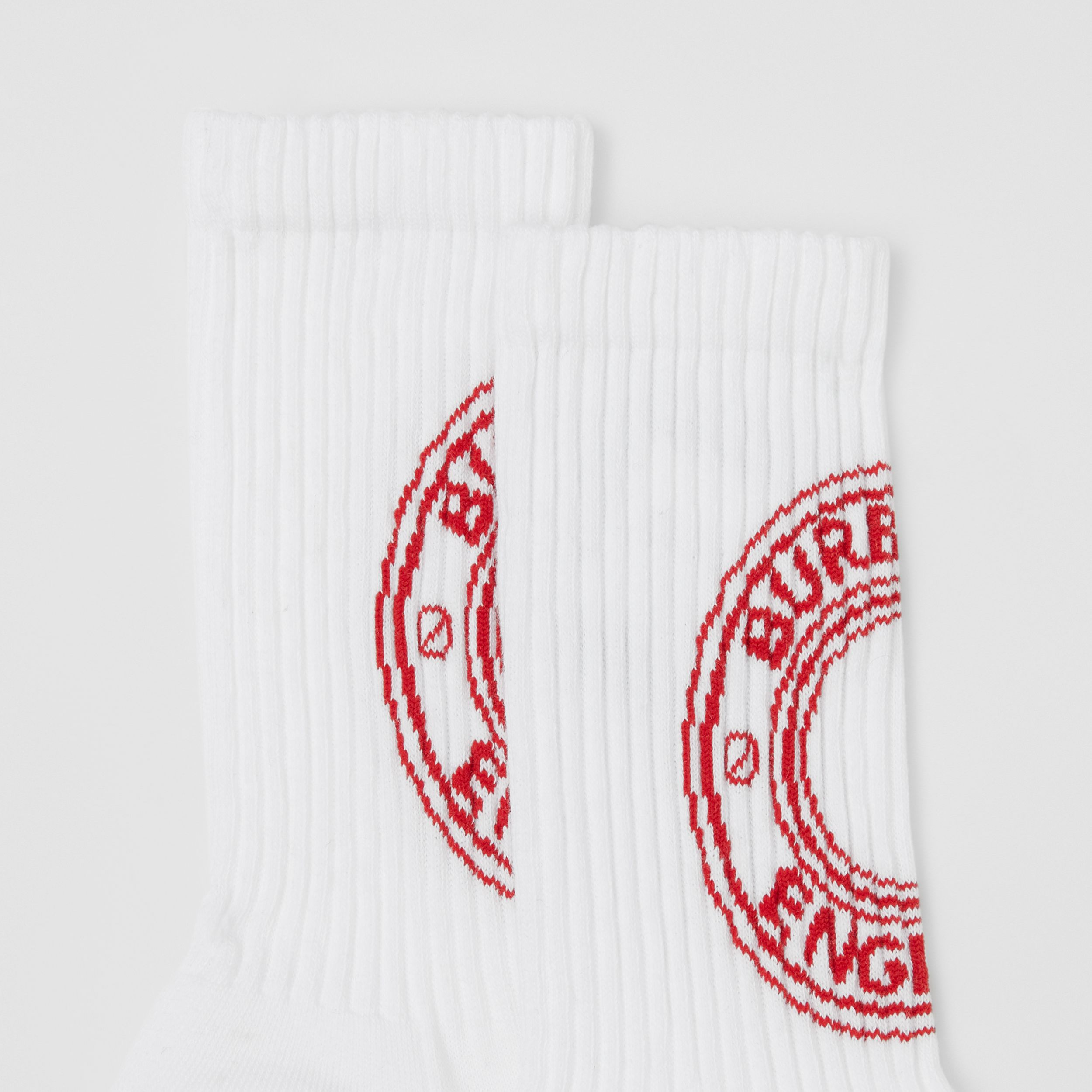 Logo Graphic Intarsia Technical Stretch Cotton Socks in White/red | Burberry United States - 2