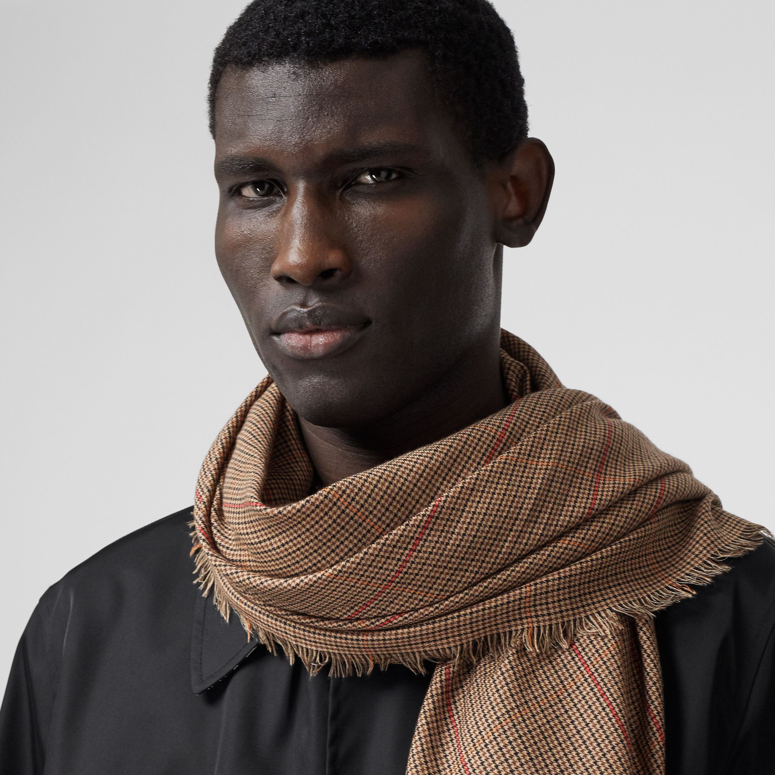 Horseferry Print Houndstooth Cashmere Scarf in Dark Mocha | Burberry - 4