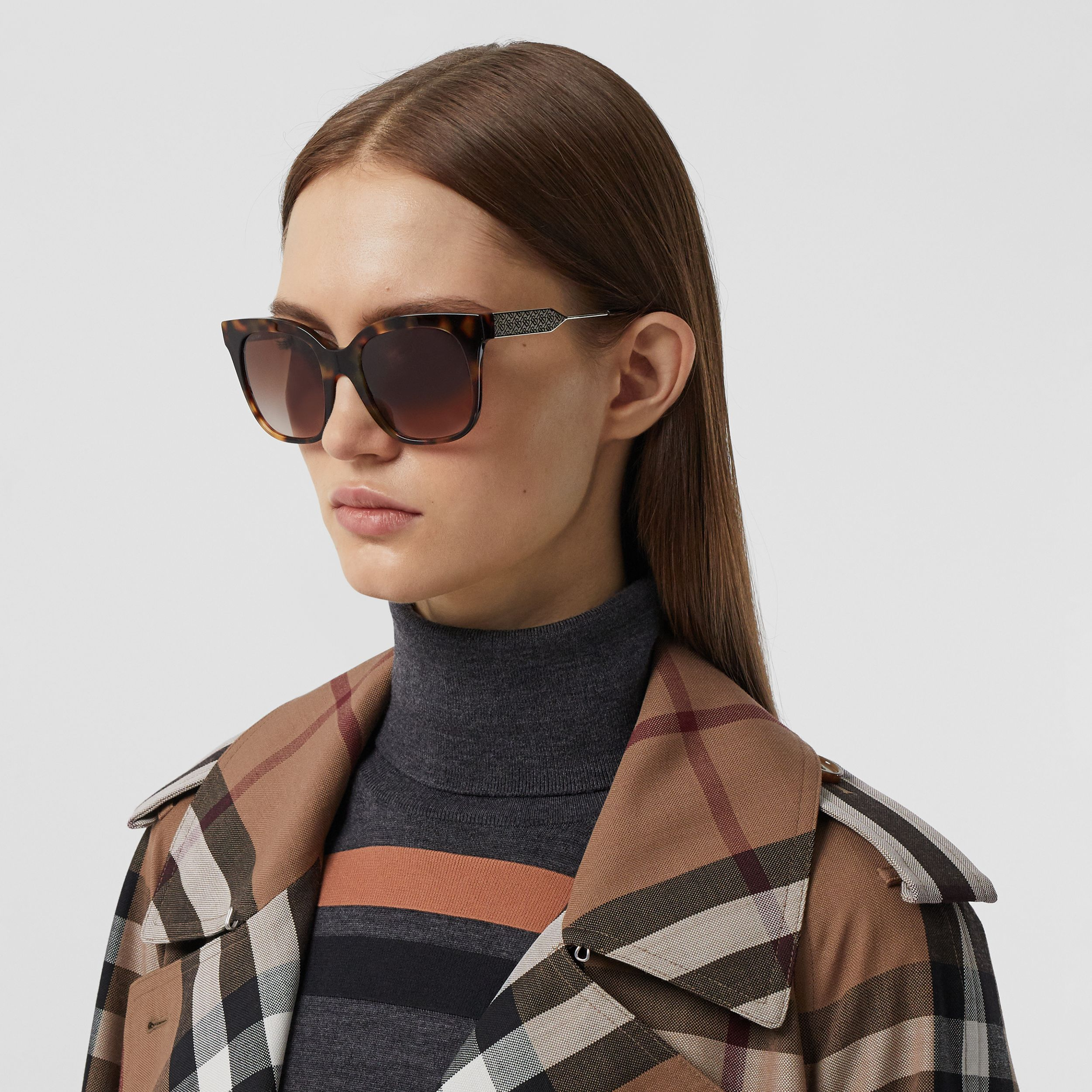 Butterfly Frame Sunglasses in Dark Amber Tortoiseshell - Women | Burberry - 3