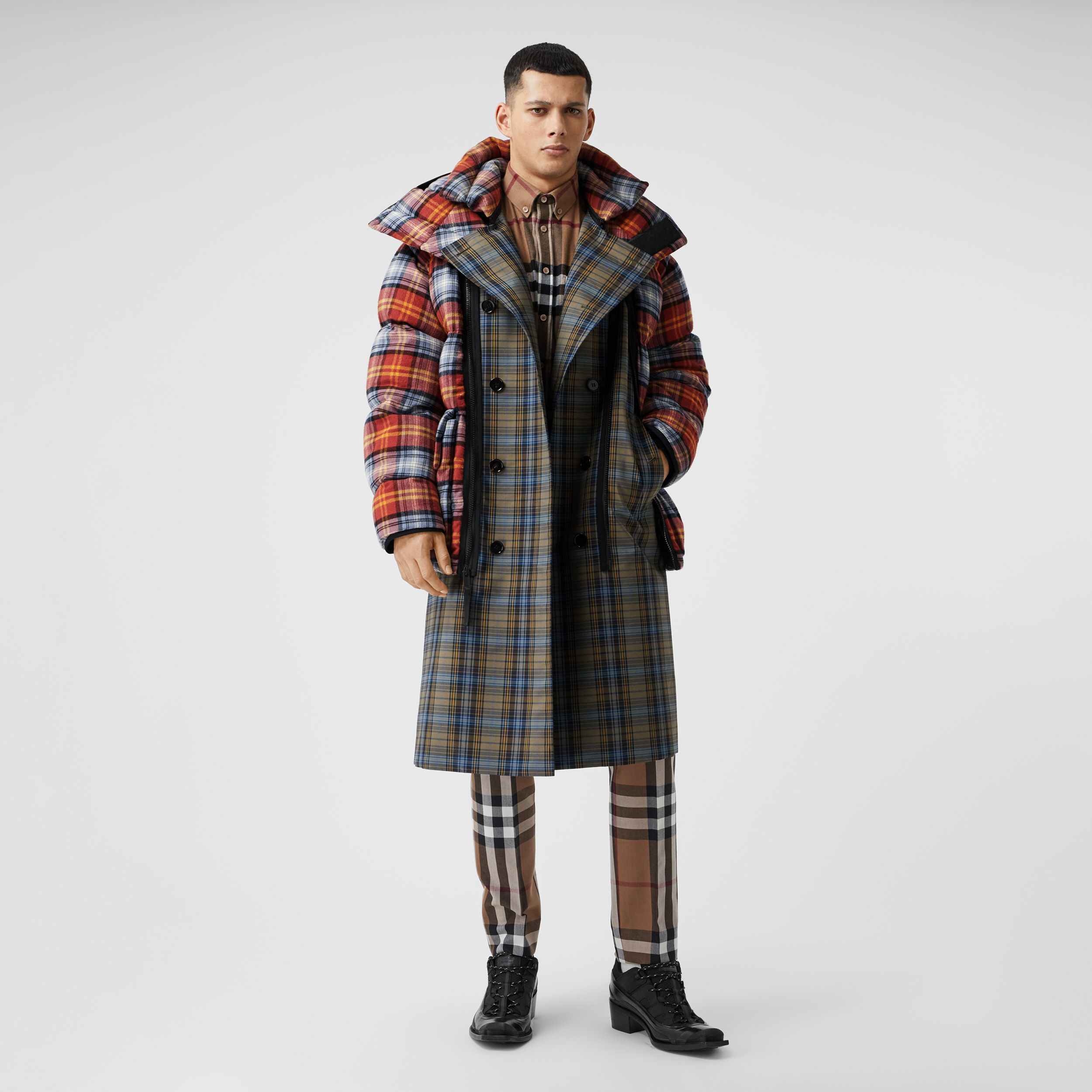Sleeveless Check Trench Coat With Detachable Puffer in Multicolour | Burberry - 1