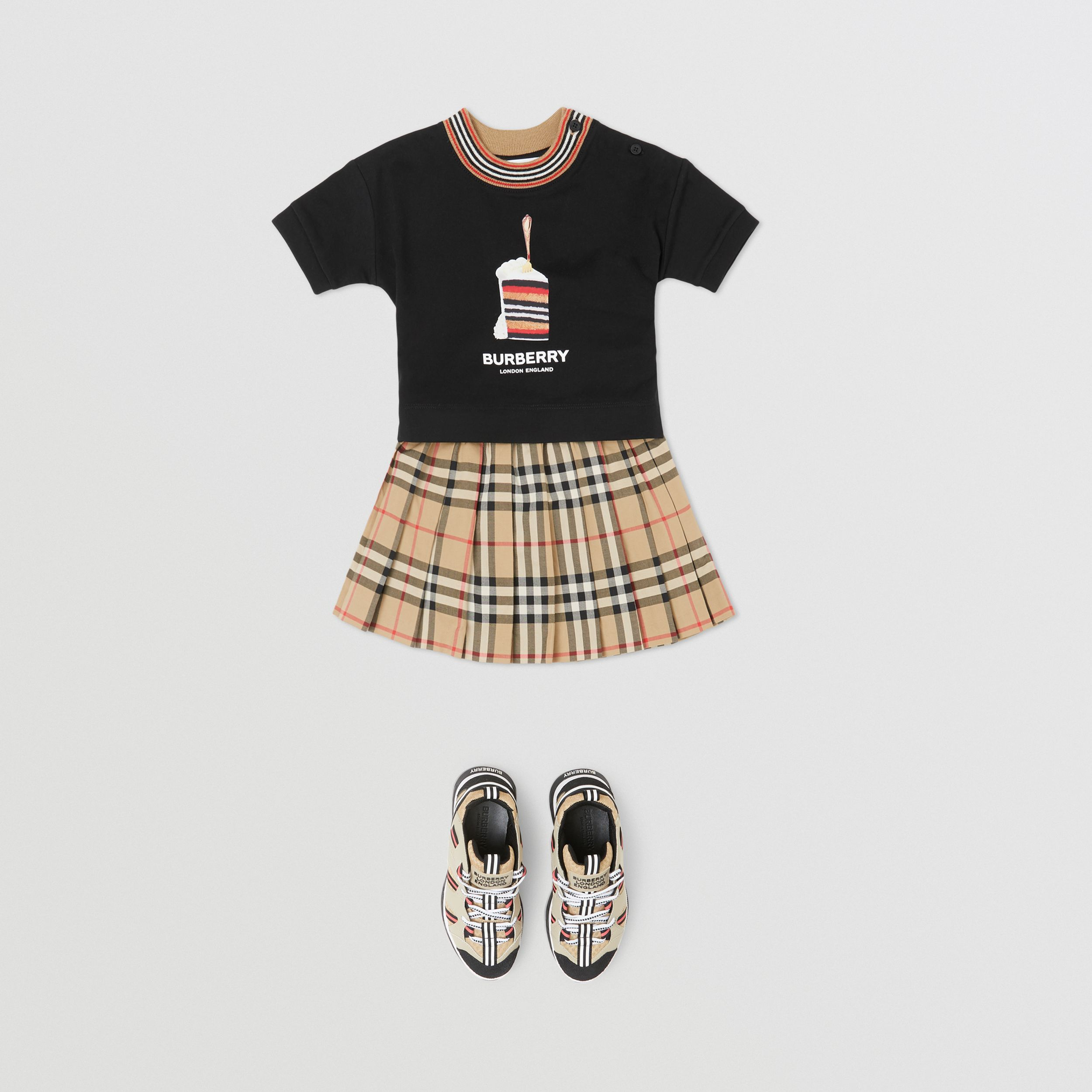 Cake Print Cotton T-shirt in Black - Children | Burberry - 3