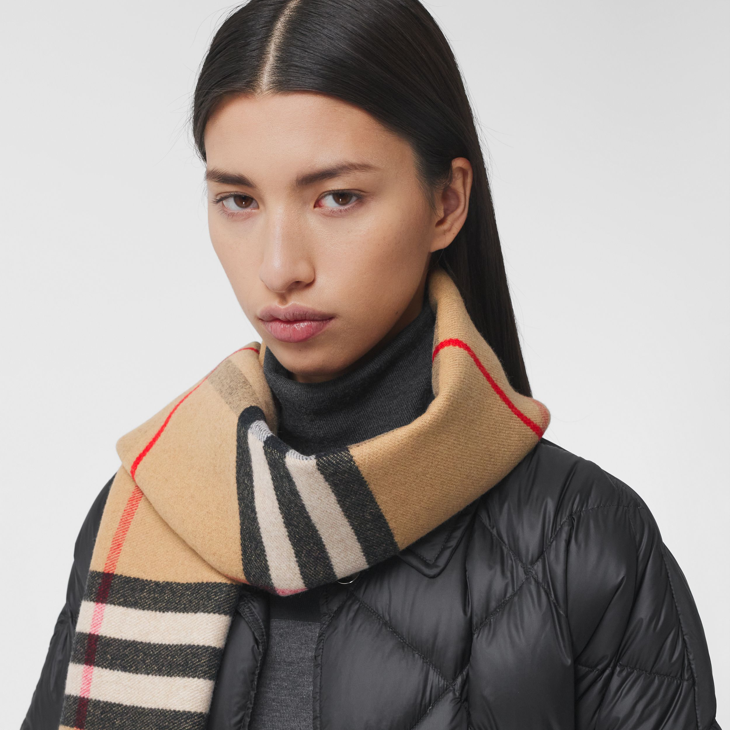 Love and Check Cashmere Jacquard Scarf in Black | Burberry Singapore - 3