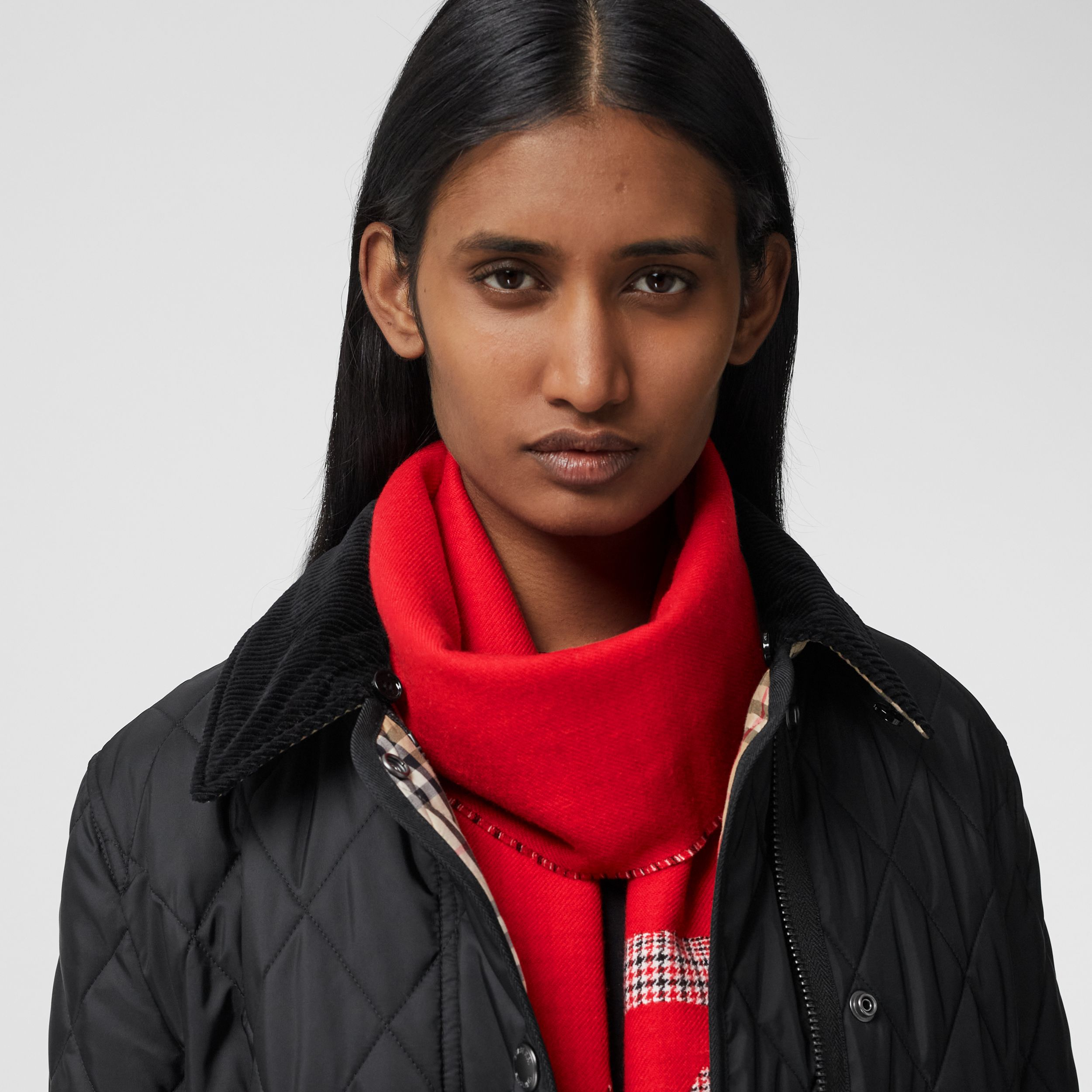 Love and Houndstooth Check Wool Jacquard Scarf in Bright Red | Burberry - 3