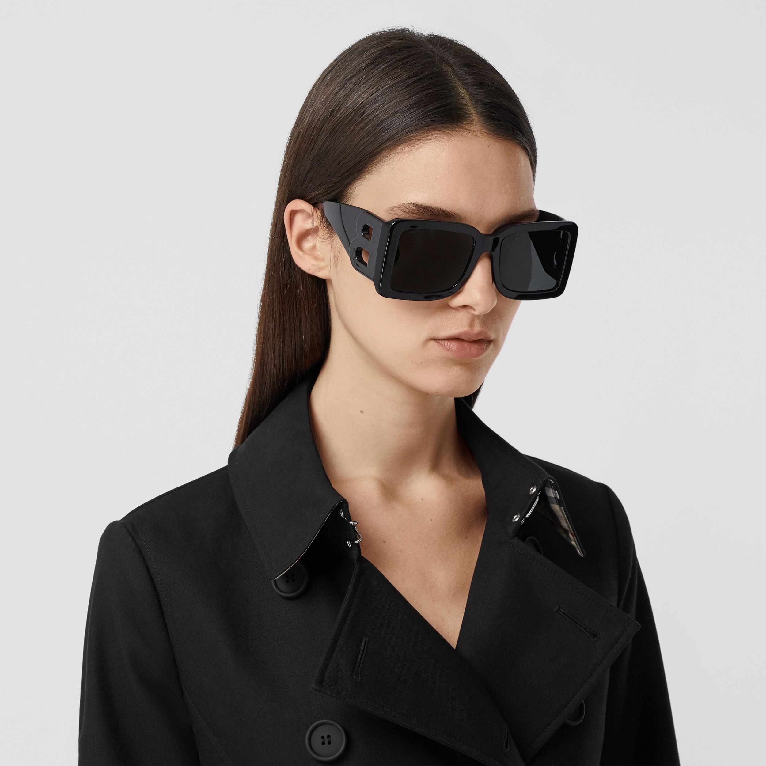 Pocket Detail Cotton Gabardine Trench Coat in Black - Women | Burberry - 2