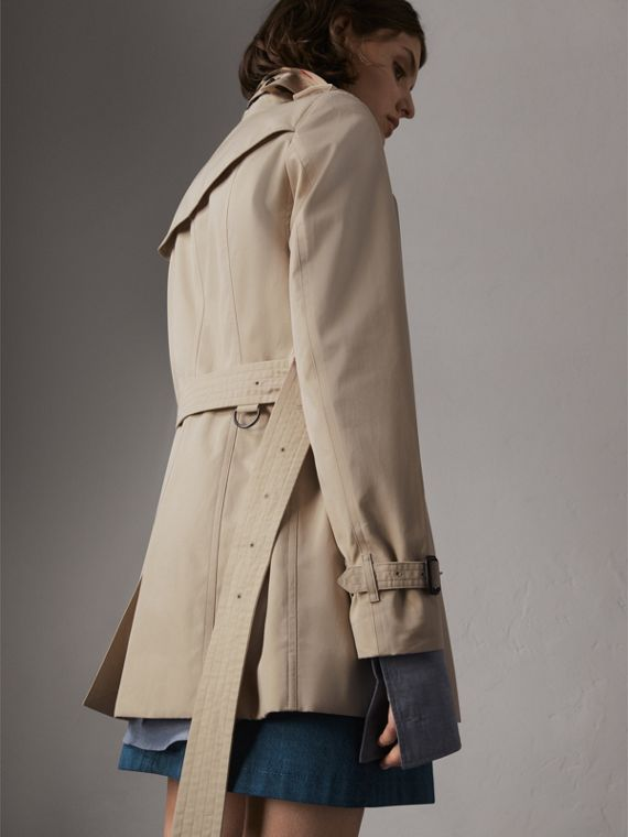 The Sandringham – Short Trench Coat in Stone - Women | Burberry - cell image 2