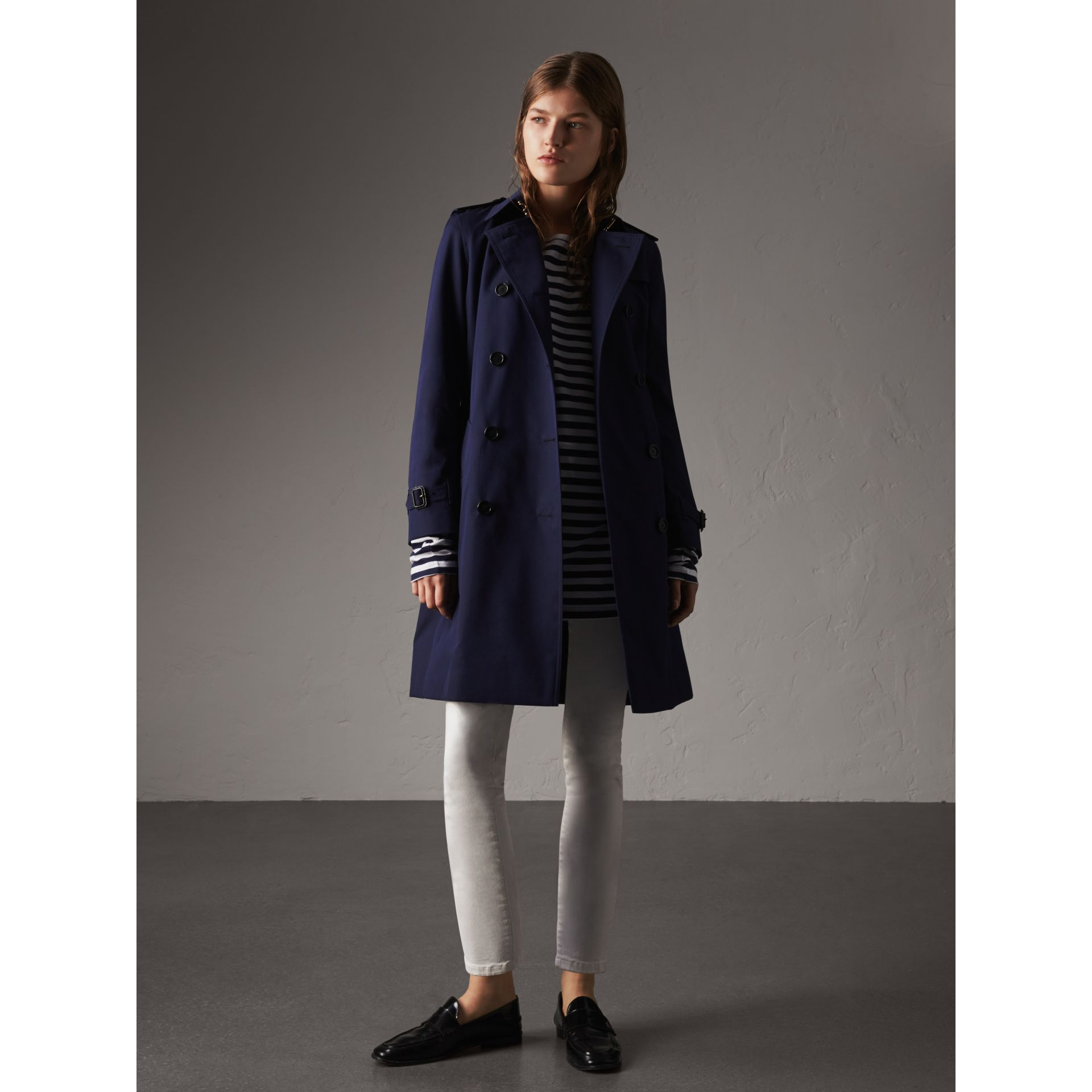Cotton Gabardine Trench Coat in Blueberry - Women | Burberry Canada - gallery image 1