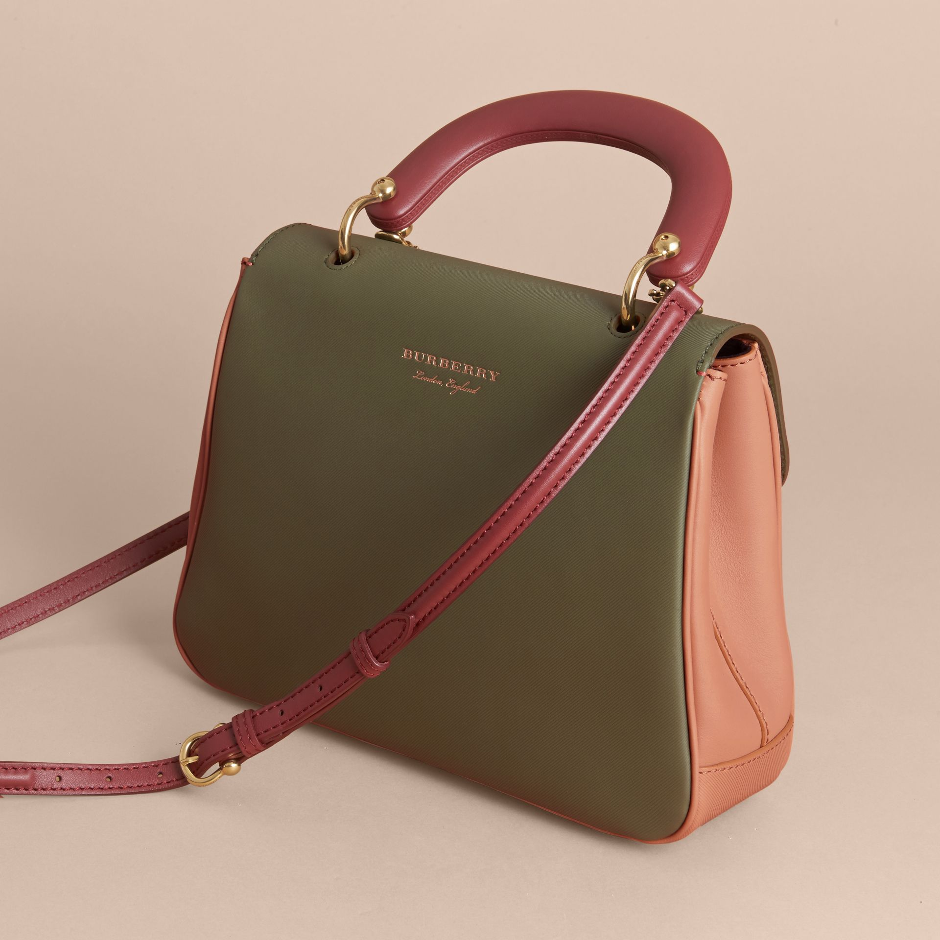 The Medium DK88 Top Handle Bag Pale Clementine/moss Green - gallery image 4