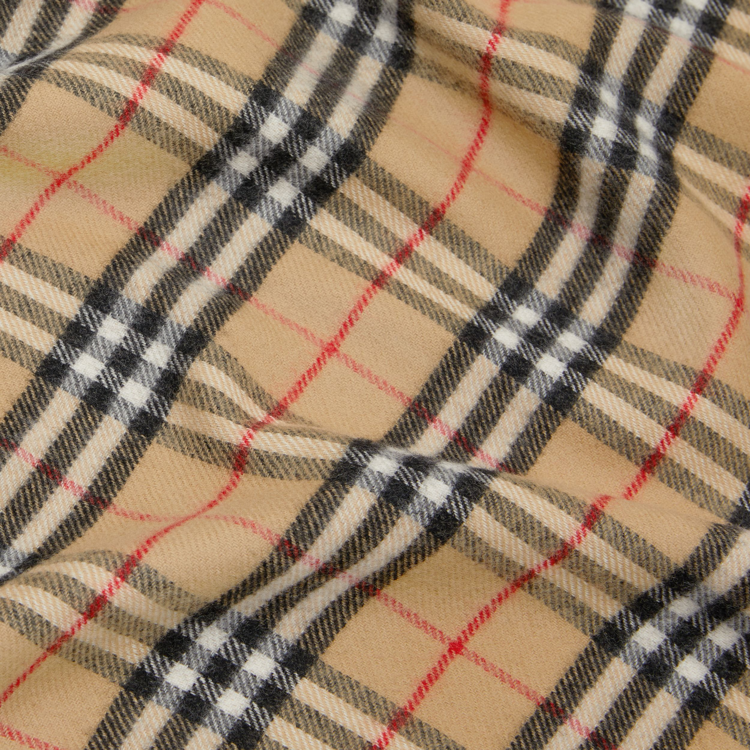 Vintage Check Merino Wool Baby Blanket in Archive Beige - Children | Burberry Singapore - 2