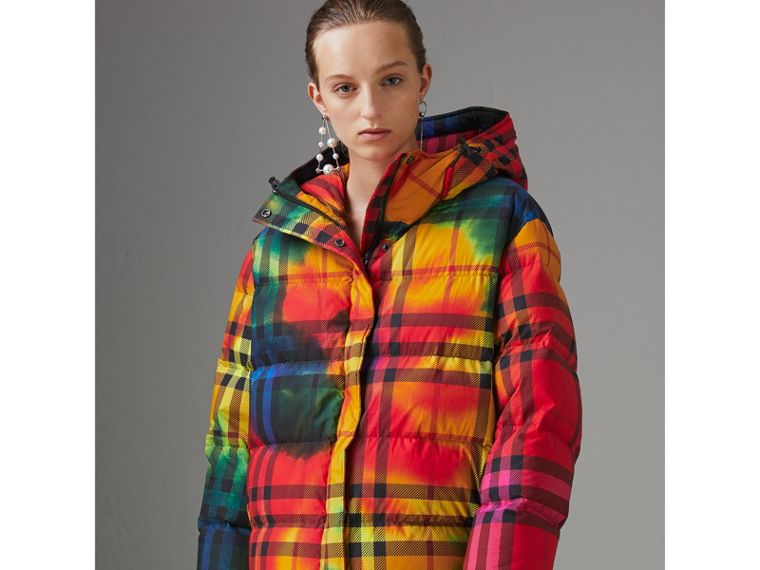 Tie-dye Print Vintage Check Puffer Jacket in Multicolour - Women | Burberry - cell image 4