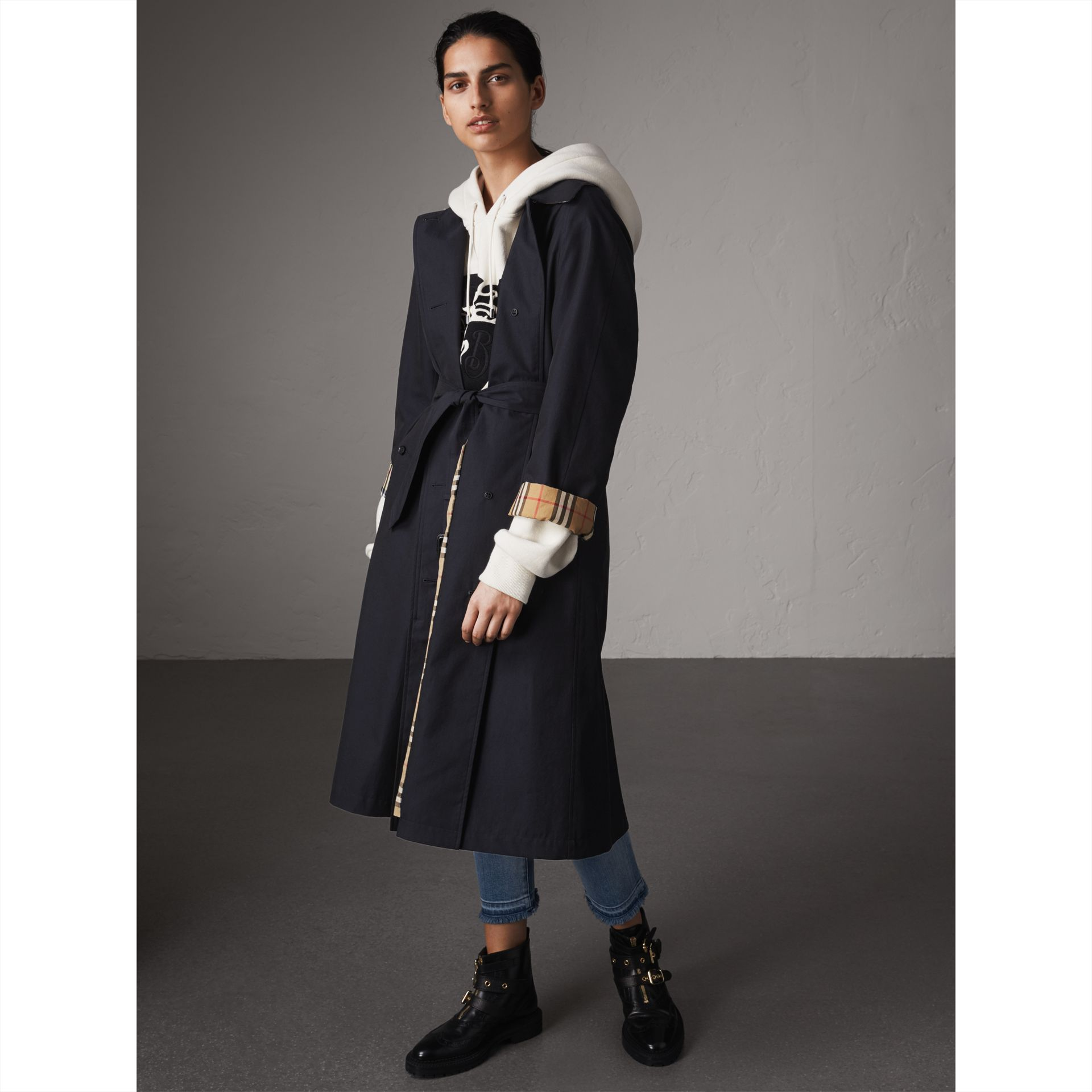 The Brighton – Extra-long Car Coat in Blue Carbon - Women | Burberry Singapore - gallery image 7