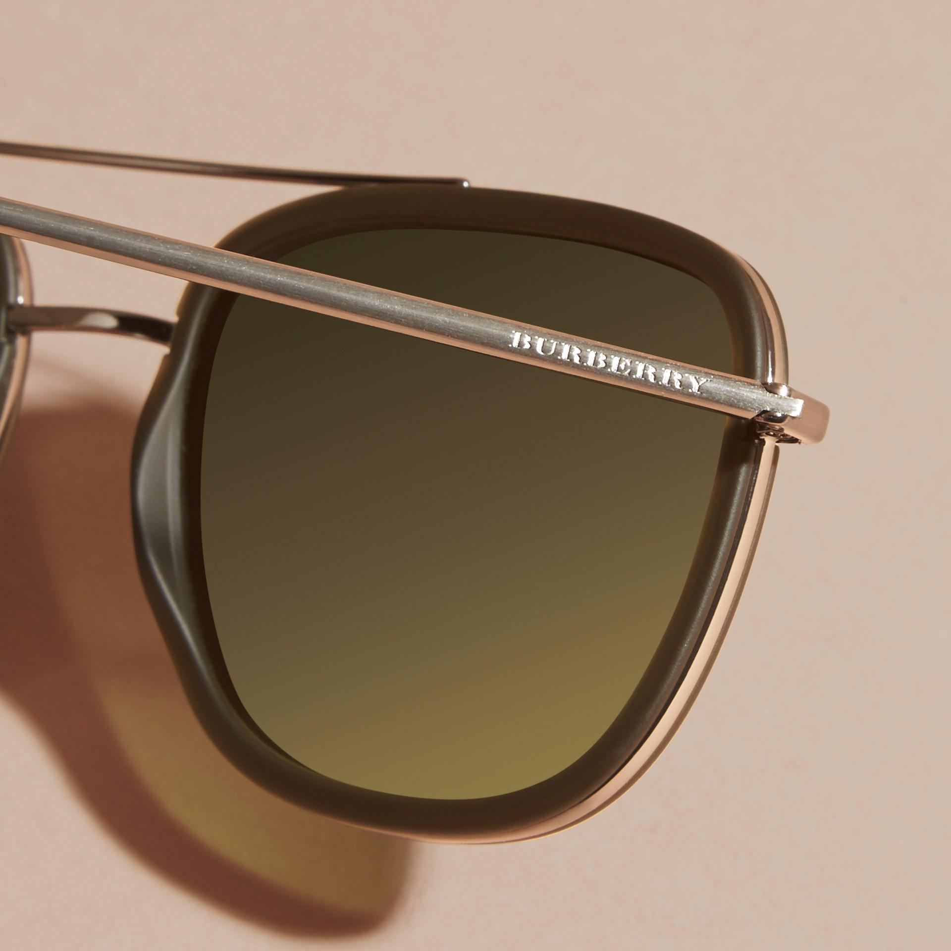 Grigio Occhiali da sole con montatura squadrata in acetato e pelle Grigio - immagine della galleria 2