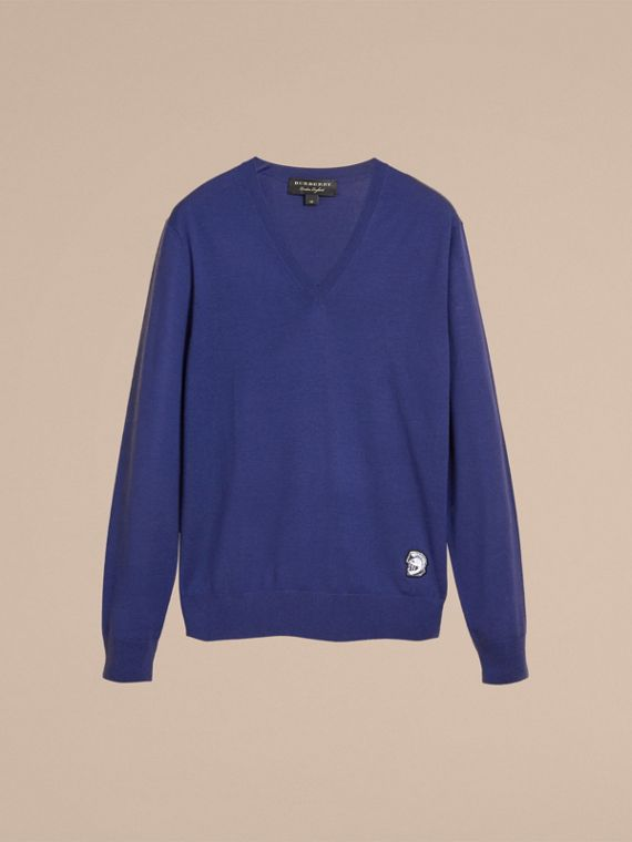 Suéter de lã Merino com gola V e estampa Pallas Helmet (Azul Índigo) - Homens | Burberry - cell image 3