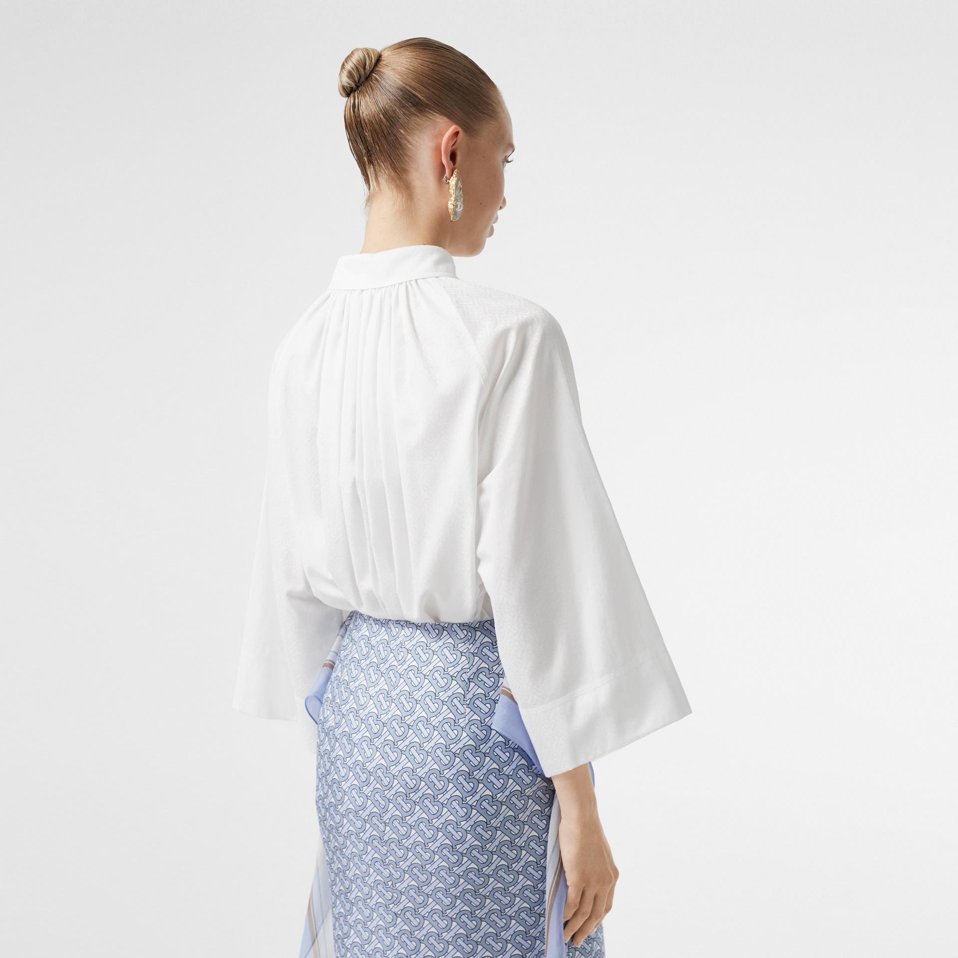 モノグラムコットン ジャカード オーバーサイズシャツ (オプティックホワイト) - ウィメンズ | バーバリー - ギャラリーイメージ 2